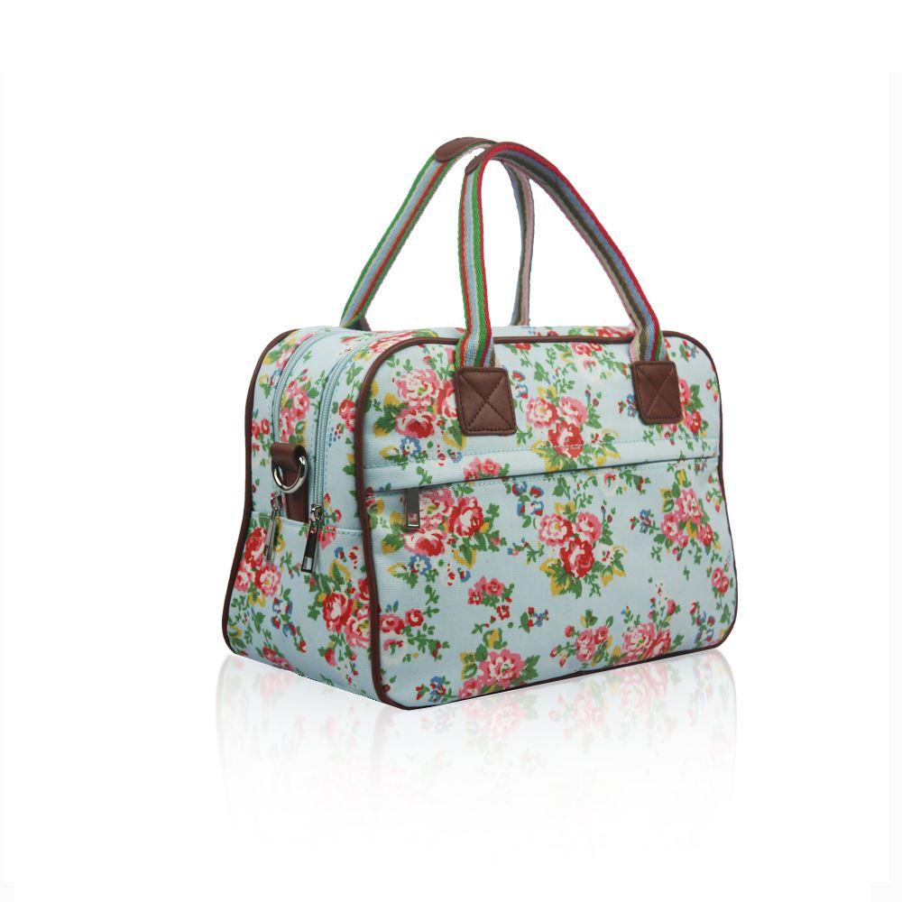 Simple Womenu0026#39;s Overnight Bag