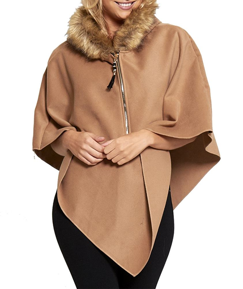 Shop luxury capes & wraps ladies accessories at M&S. With blanket dressing being a key trend, choose a cashmere, print, or plain wrap for layered style.
