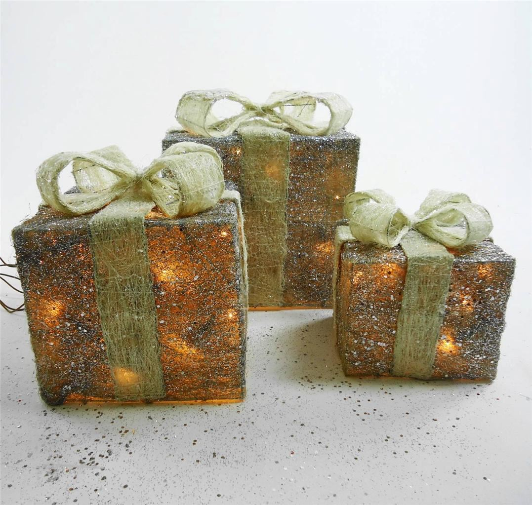 Set Of 3 Led Light Up Glitter Christmas Present Parcel Box