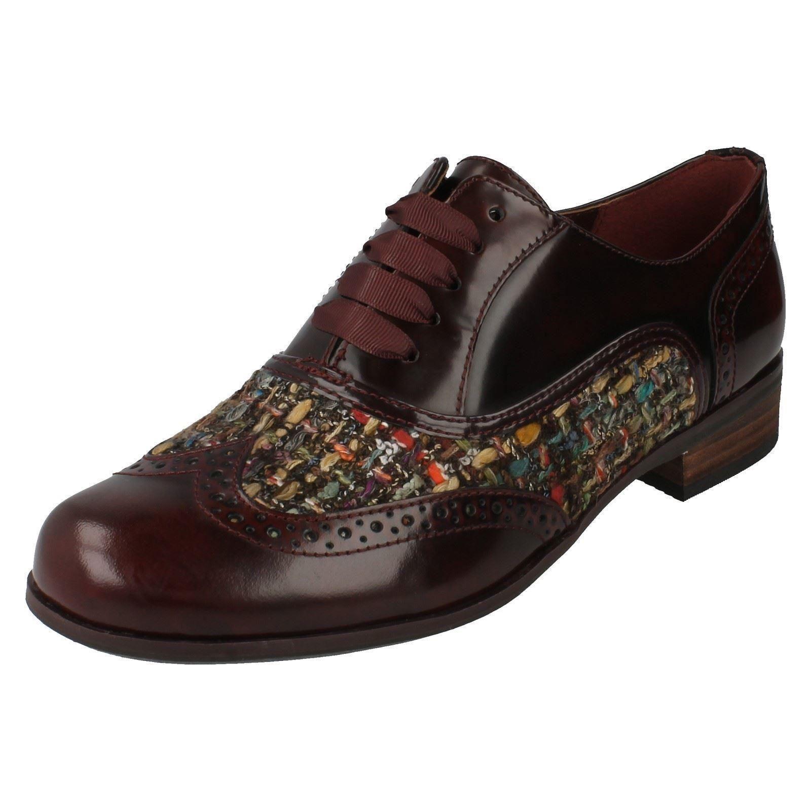 Clarks Ladies Lace Up Shoes