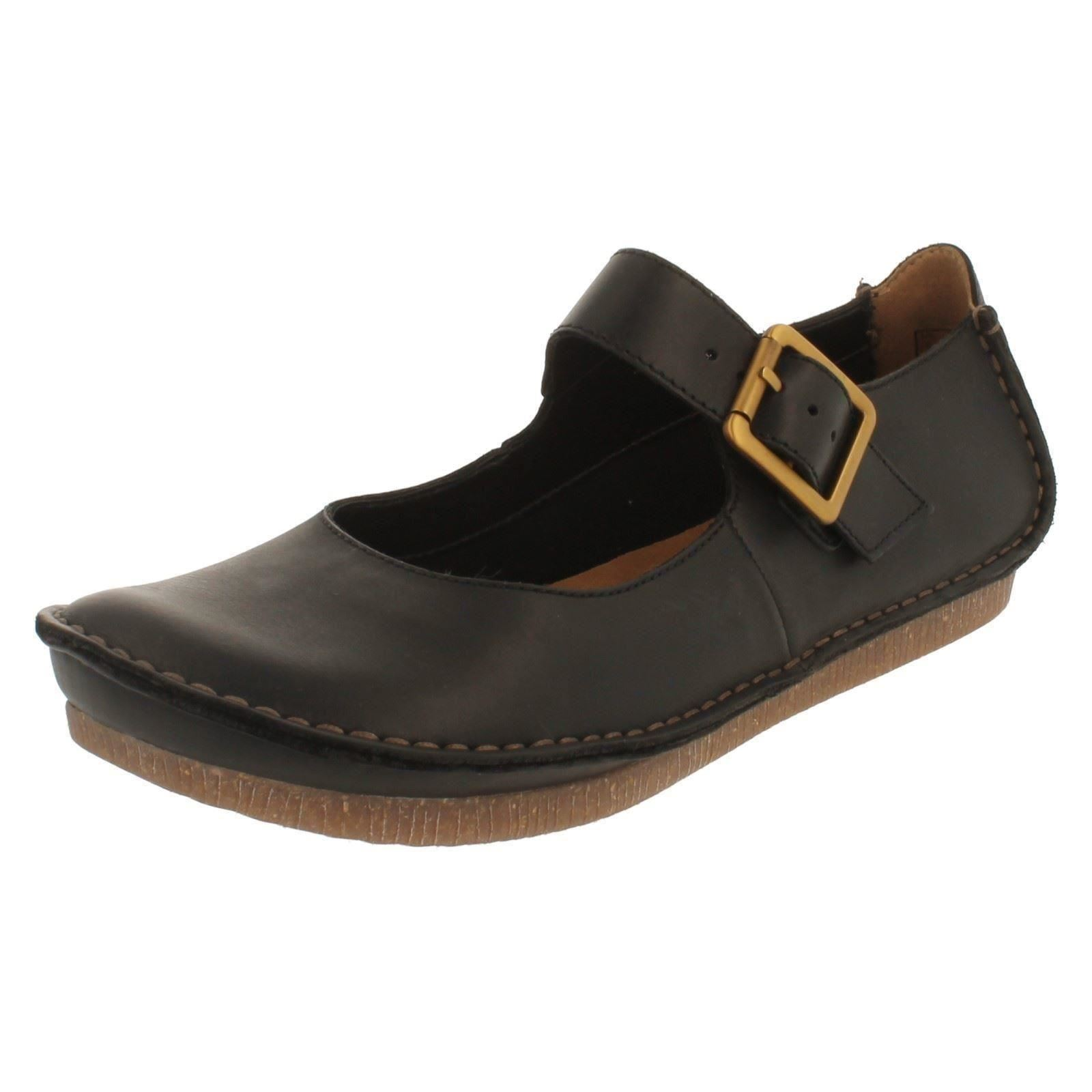 Clarks Mary Jane Shoes Flats