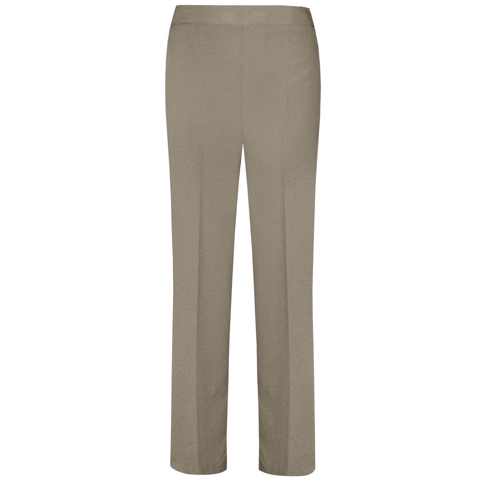 One of the great things about pallazo pants is that they allow you to bring life to your outfit with cute prints and to break the dark color bottom rule. They are really versatile and you can put them on for casual outfits and more formal occasions regarding how you pair them and accessorize.