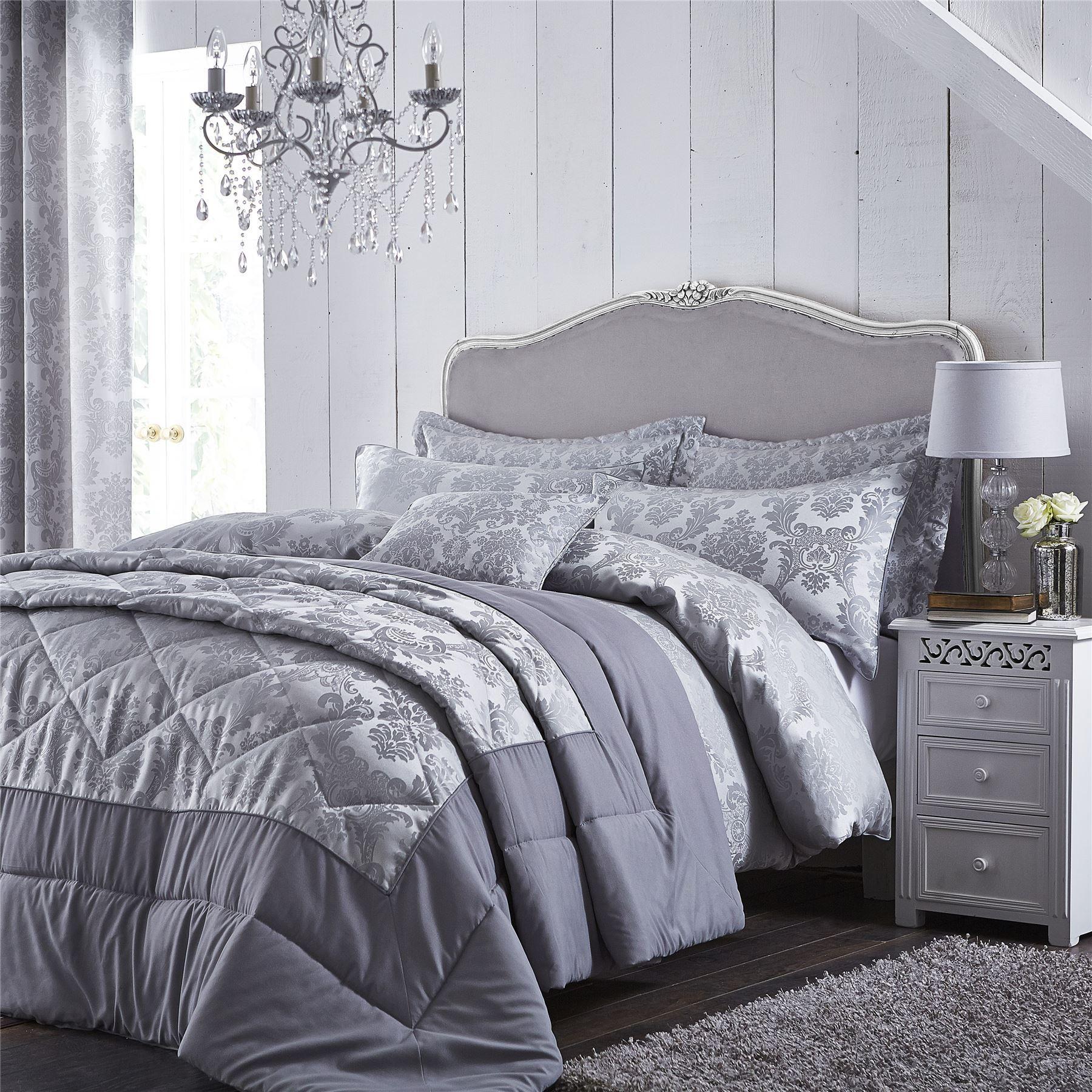 damask jacquard duvet quilt cover set double king size. Black Bedroom Furniture Sets. Home Design Ideas