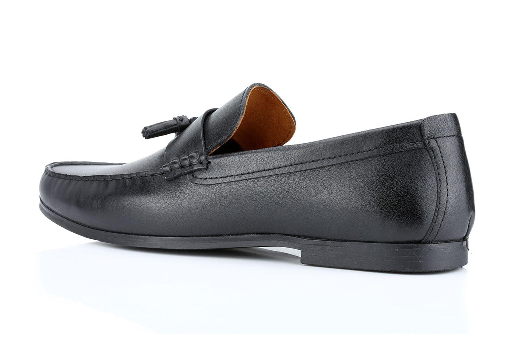Tassel Loafers In Black Leather - Black Redtape MiN0cePjDb