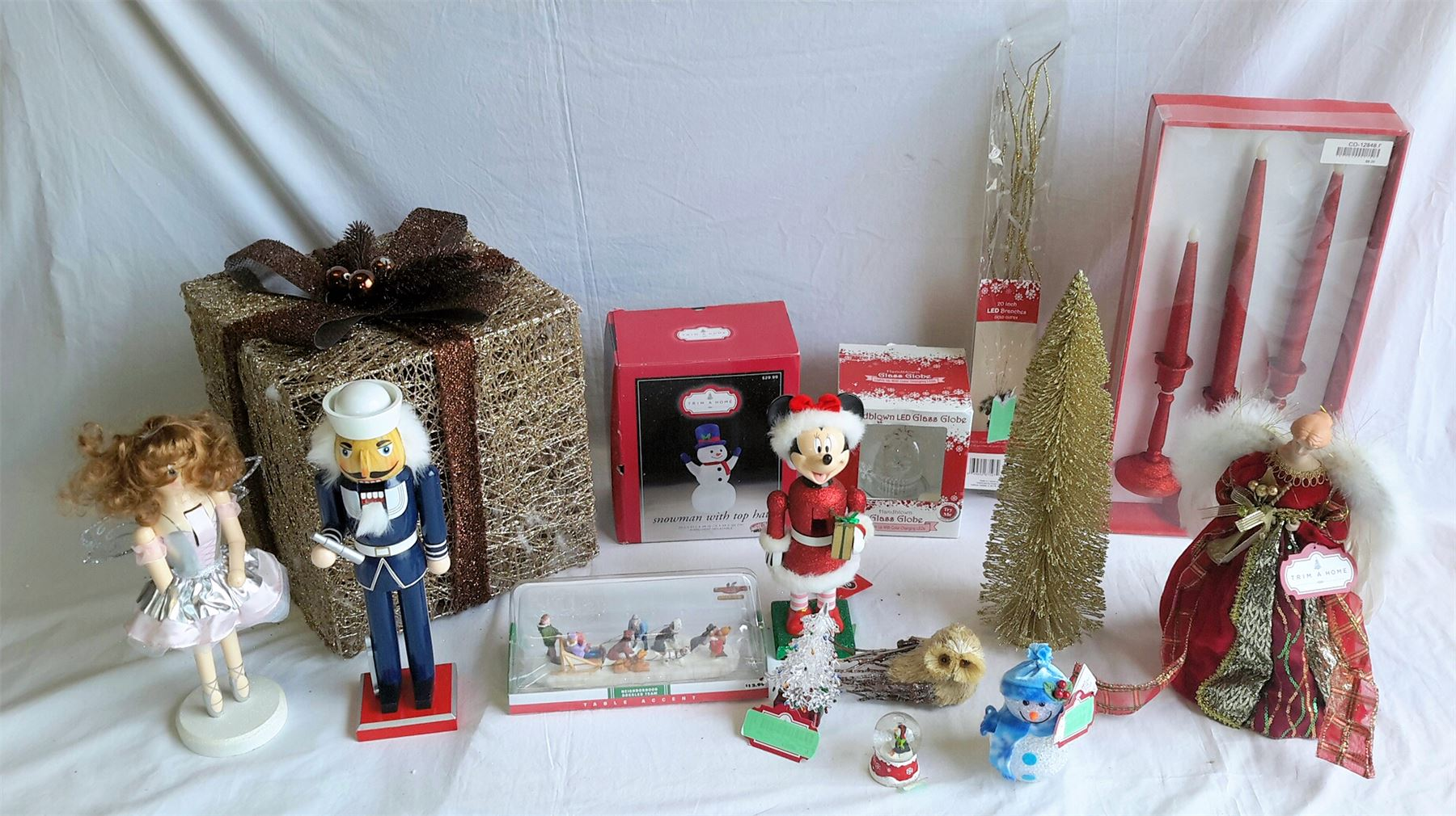 Wholesale Lot Of 21 Assorted Holiday Christmas Decor Items Brand New Decorations