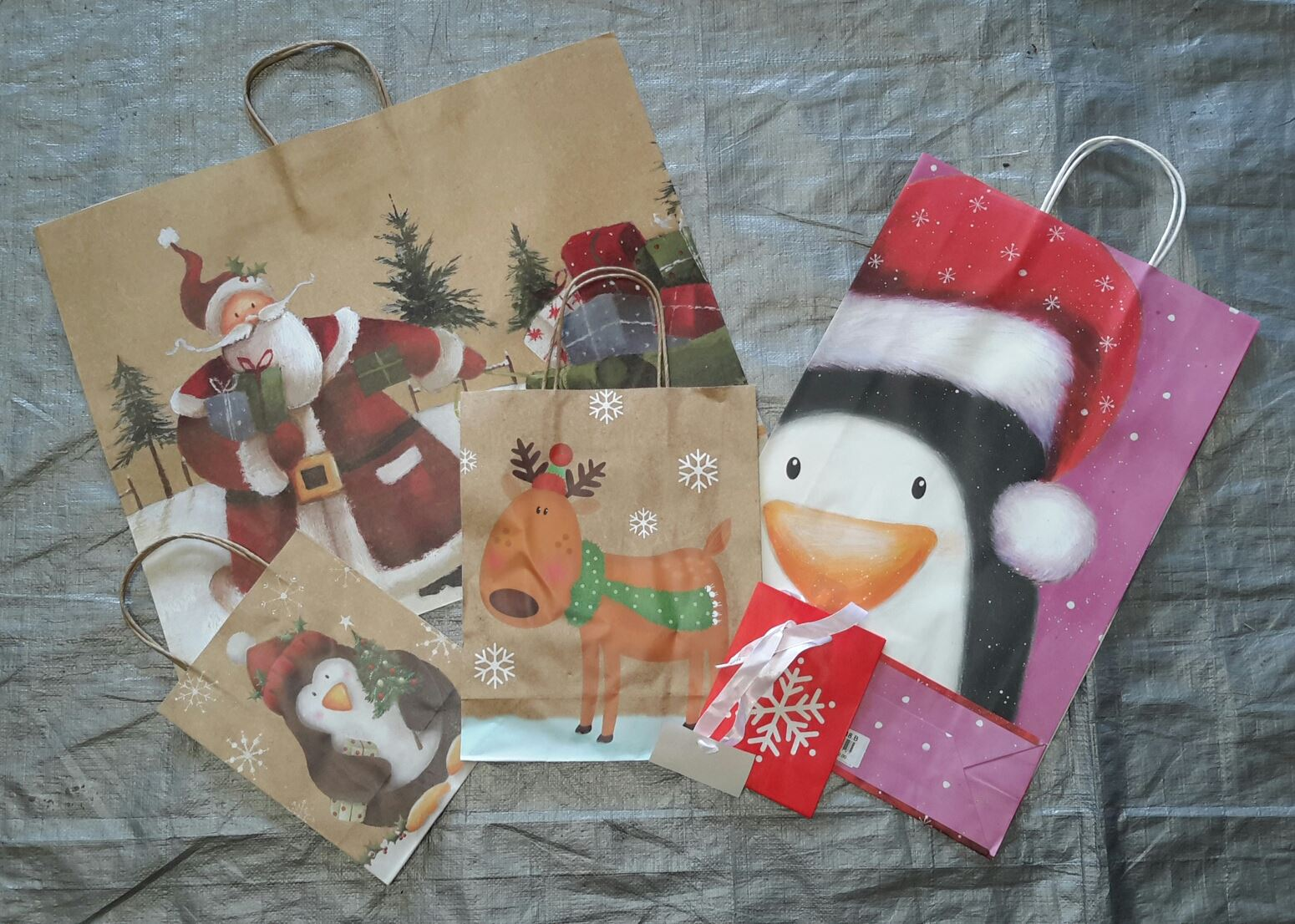Wholesale Resale Lot Of 82 Holiday Christmas Gift Bags