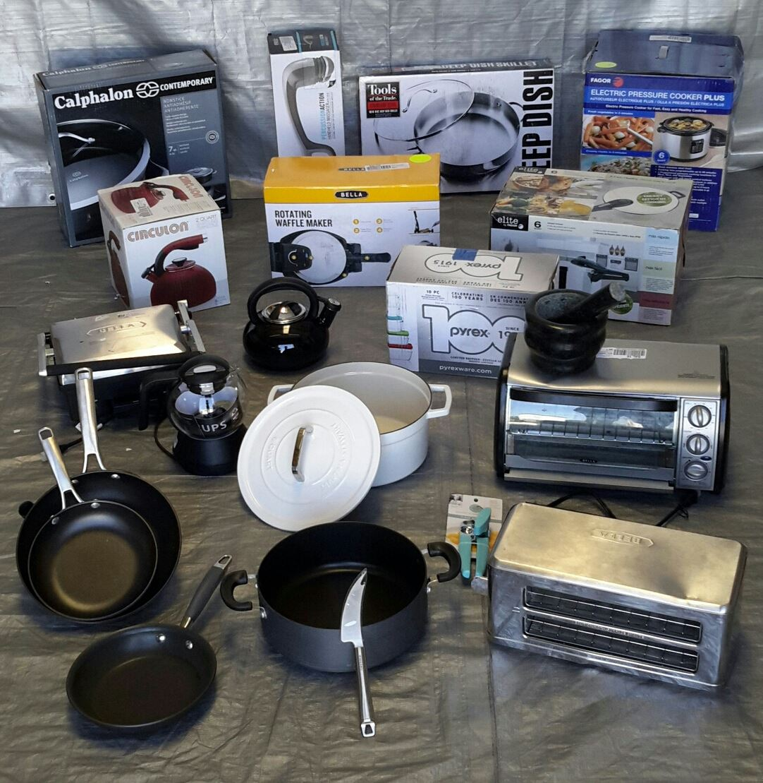 Wholesale Lot Of 23 High End Small Kitchen Appliances