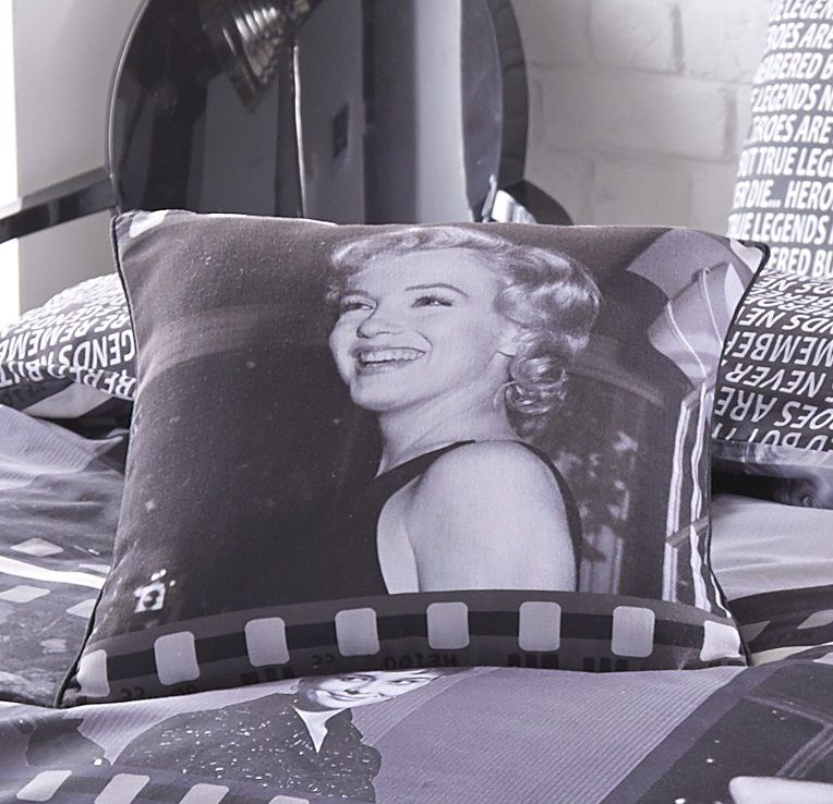 movie legends marilyn monroe audrey hepburn cotton rich duvet cover set ebay. Black Bedroom Furniture Sets. Home Design Ideas
