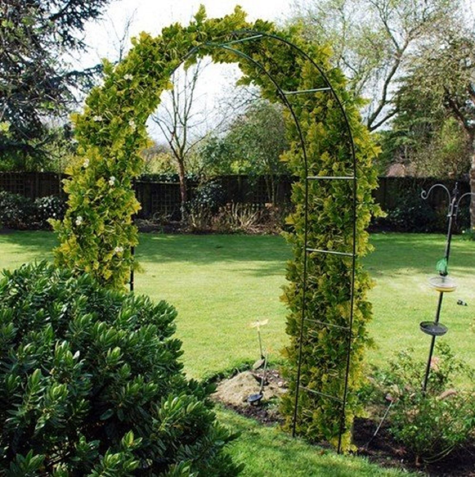 Self assembly garden metal arch for climbing plants - Garden arch climbing plants ...