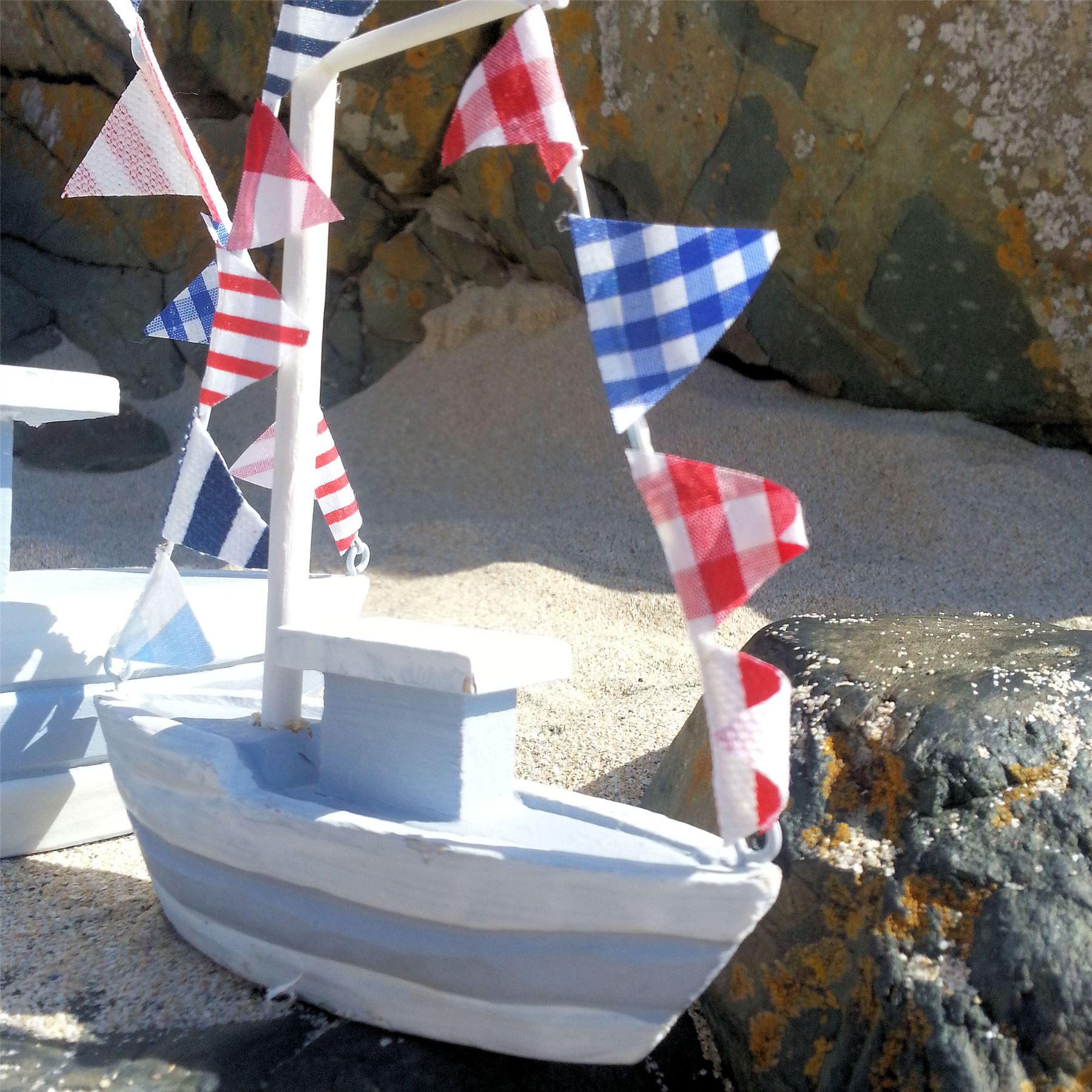 Nautical wooden boat ornament decoration coastal beach for Boat ornaments for bathroom