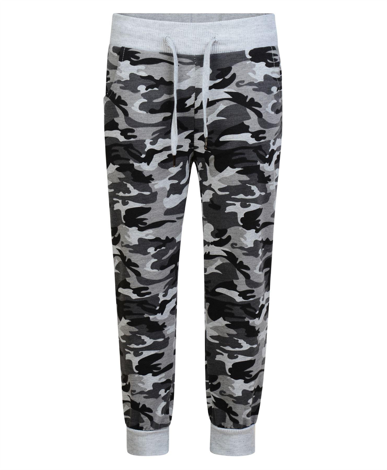 Men's Pants & Denim Showing: 31 Items Sort: Mens Pants Fit Guide. Modern (8) Standard Camo (1) Denim Fit. V16 Slim (4) V56 Standard (4) V76 Skinny (4) V96 Relaxed (1) Men's Bottom Size. 28 Inch (16) 29 Inch (15) 30 Inch (17) 31 Inch (12) 32 Inch (16) 33 Inch (13) 34 Inch (17) 35 Inch (1).