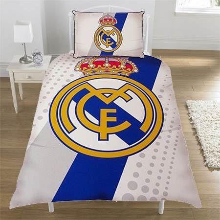 Real madrid bedding and bedroom accessories football boys for Decoration chambre real madrid