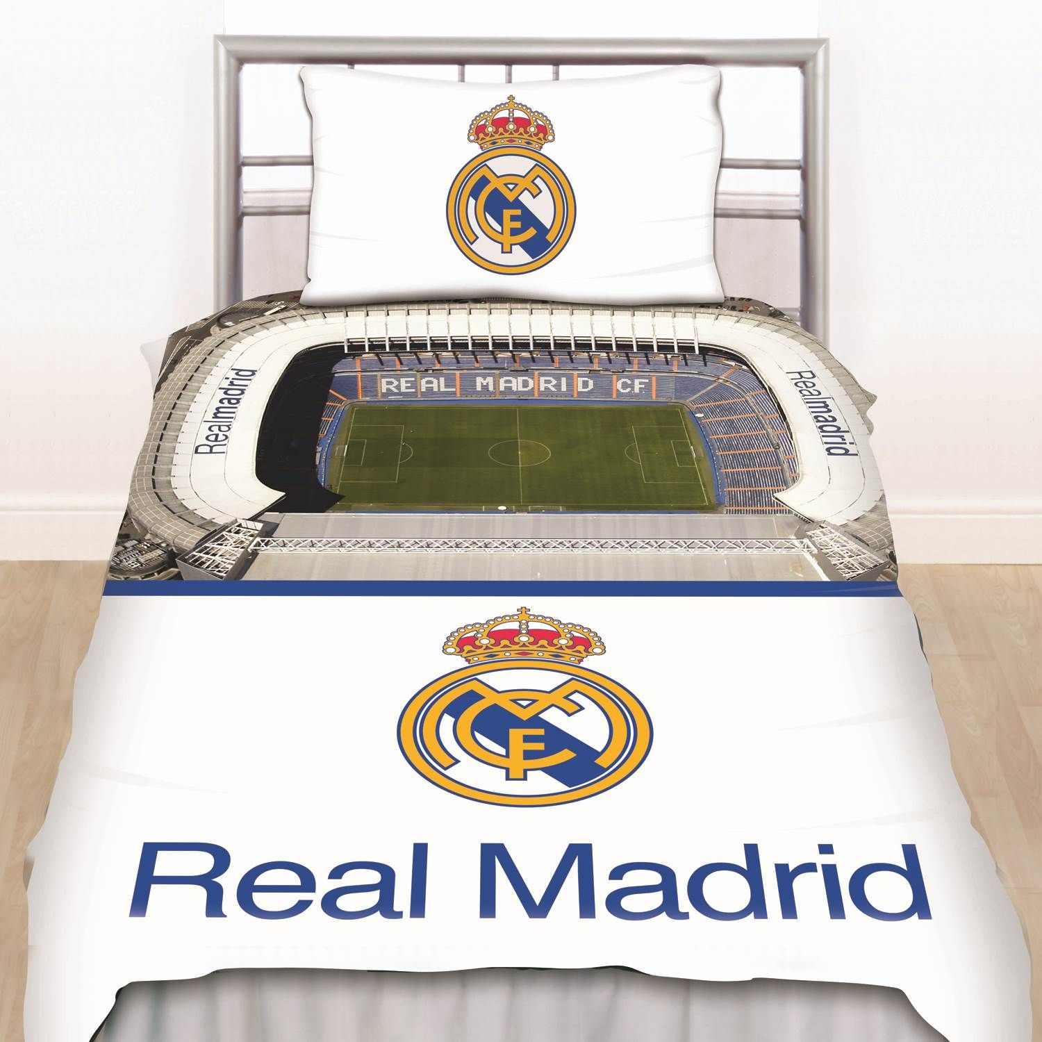 Accessoires de chambre football aux couleurs du real madrid for Decoration chambre real madrid