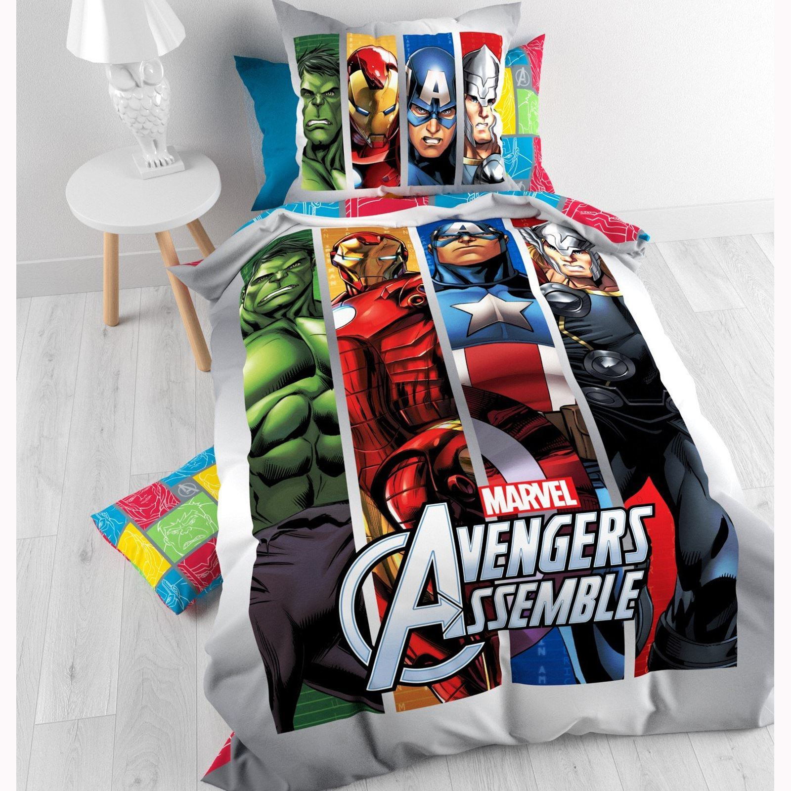 official avengers marvel comics bedding bedroom. Black Bedroom Furniture Sets. Home Design Ideas