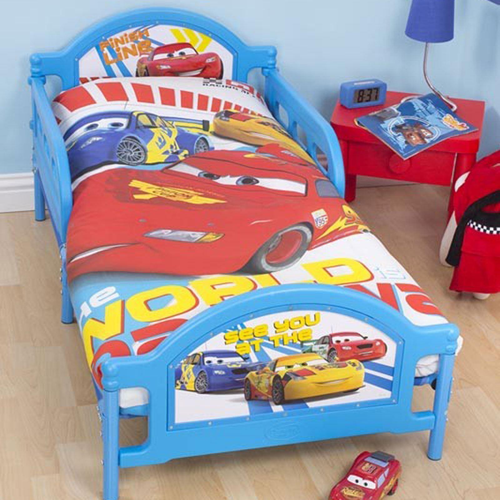 Disney cars chambre coucher parure de lit accessoires for Decoration chambre cars