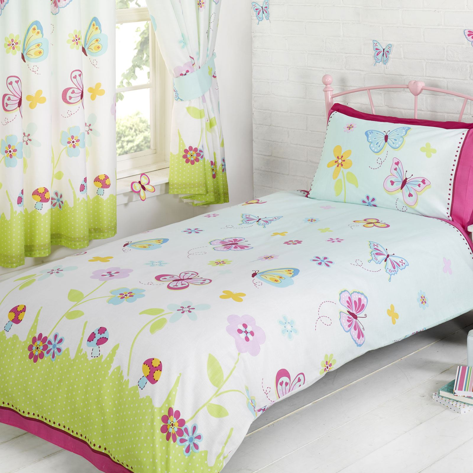 girls bedding single and double polycotton duvet covers various designs free p p ebay. Black Bedroom Furniture Sets. Home Design Ideas