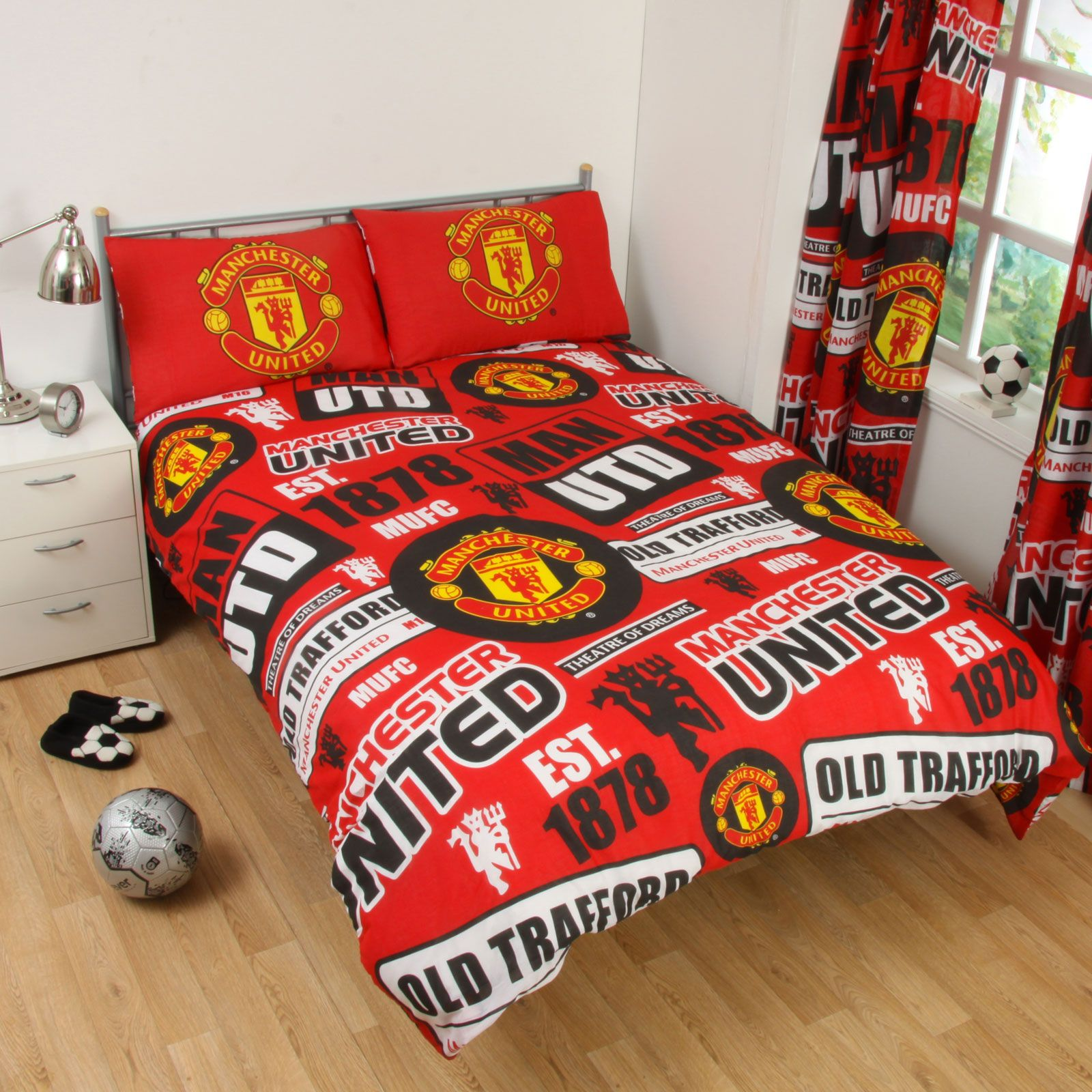 Single and double fc duvet cover bedding sets official for Man u bedroom ideas