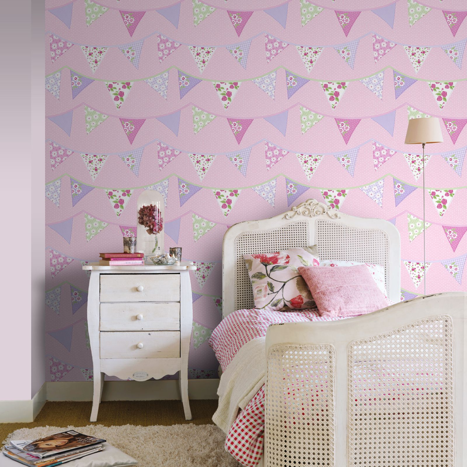 Pink bunting wallpaper rasch 238716 floral polka dot for Polka dot bedroom ideas