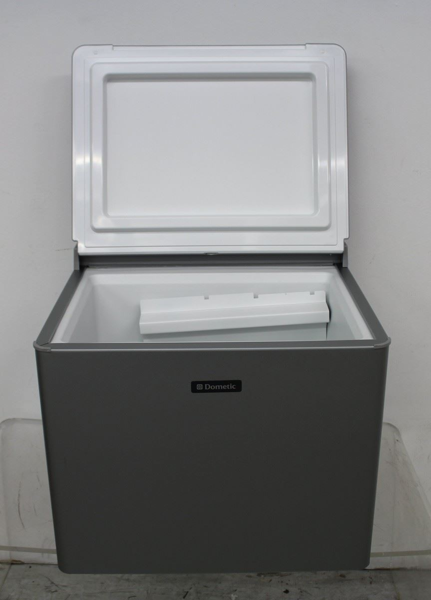 bnib dometic combicool rc1200 rc1200 3 way lpg gas mains. Black Bedroom Furniture Sets. Home Design Ideas