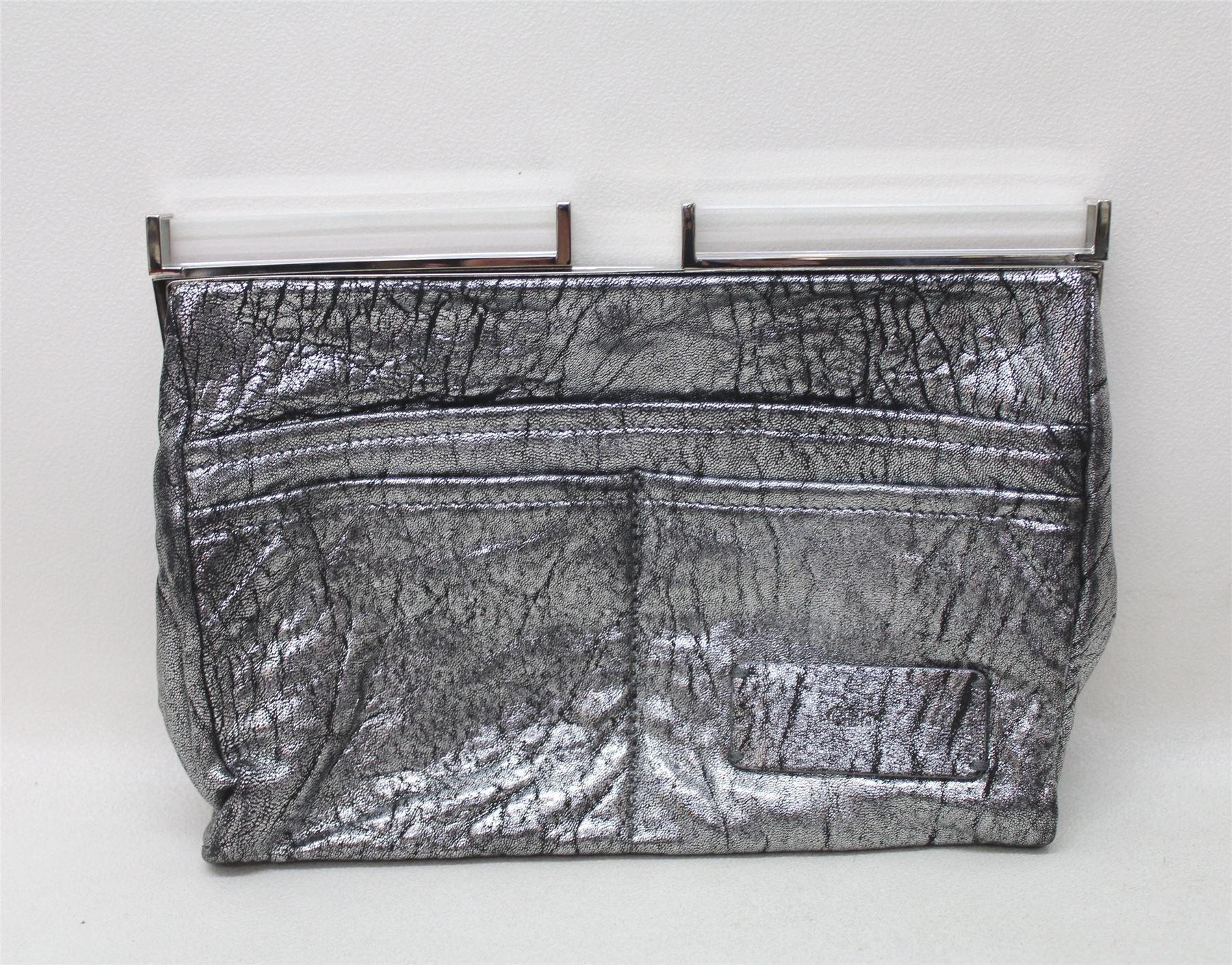 Strzelanina W Nowej Zelandii Detail: CHLOE Ladies Silver Distressed Leather Small Sized Mirror
