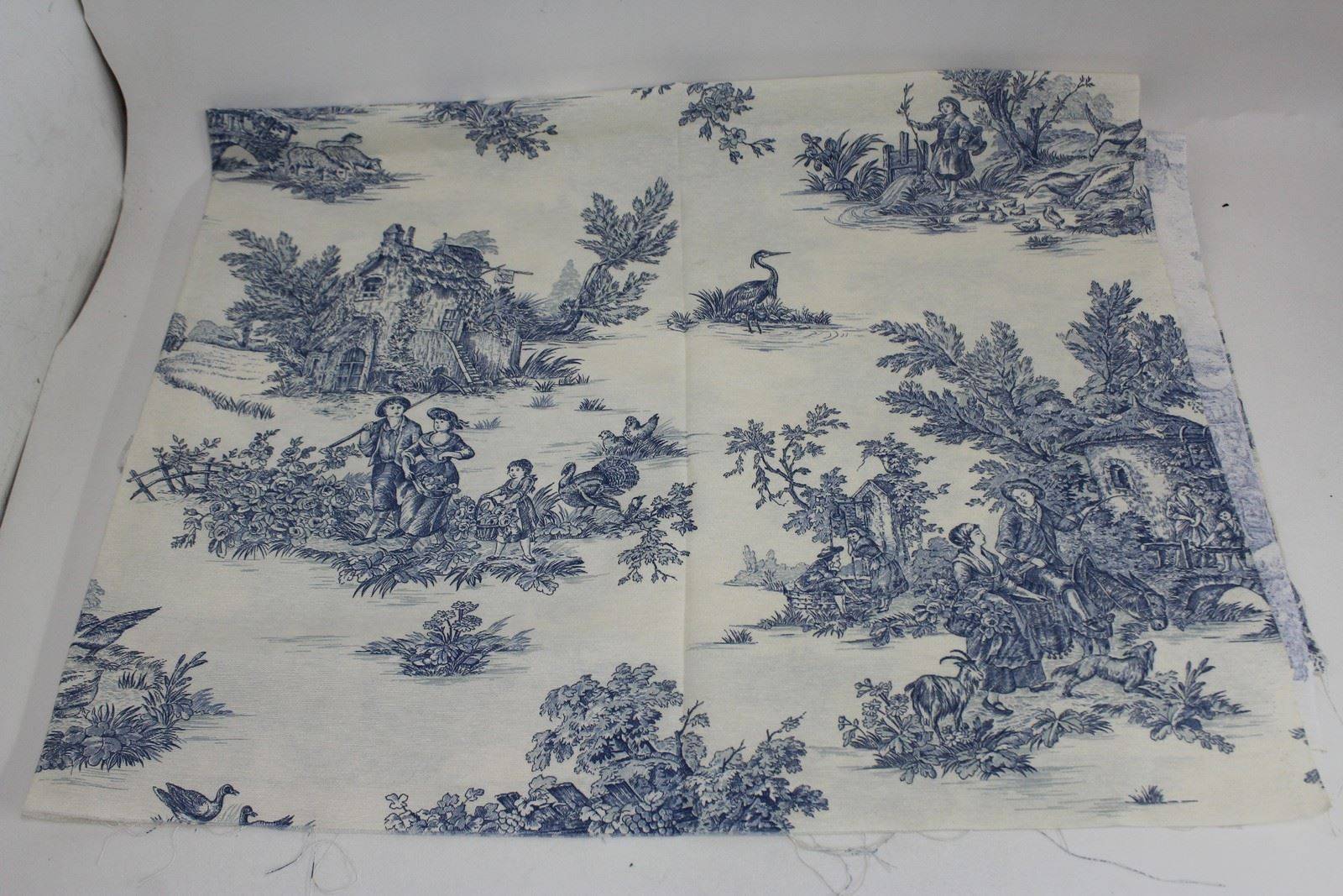 modern toile de jouy pictures to pin on pinterest pinsdaddy. Black Bedroom Furniture Sets. Home Design Ideas