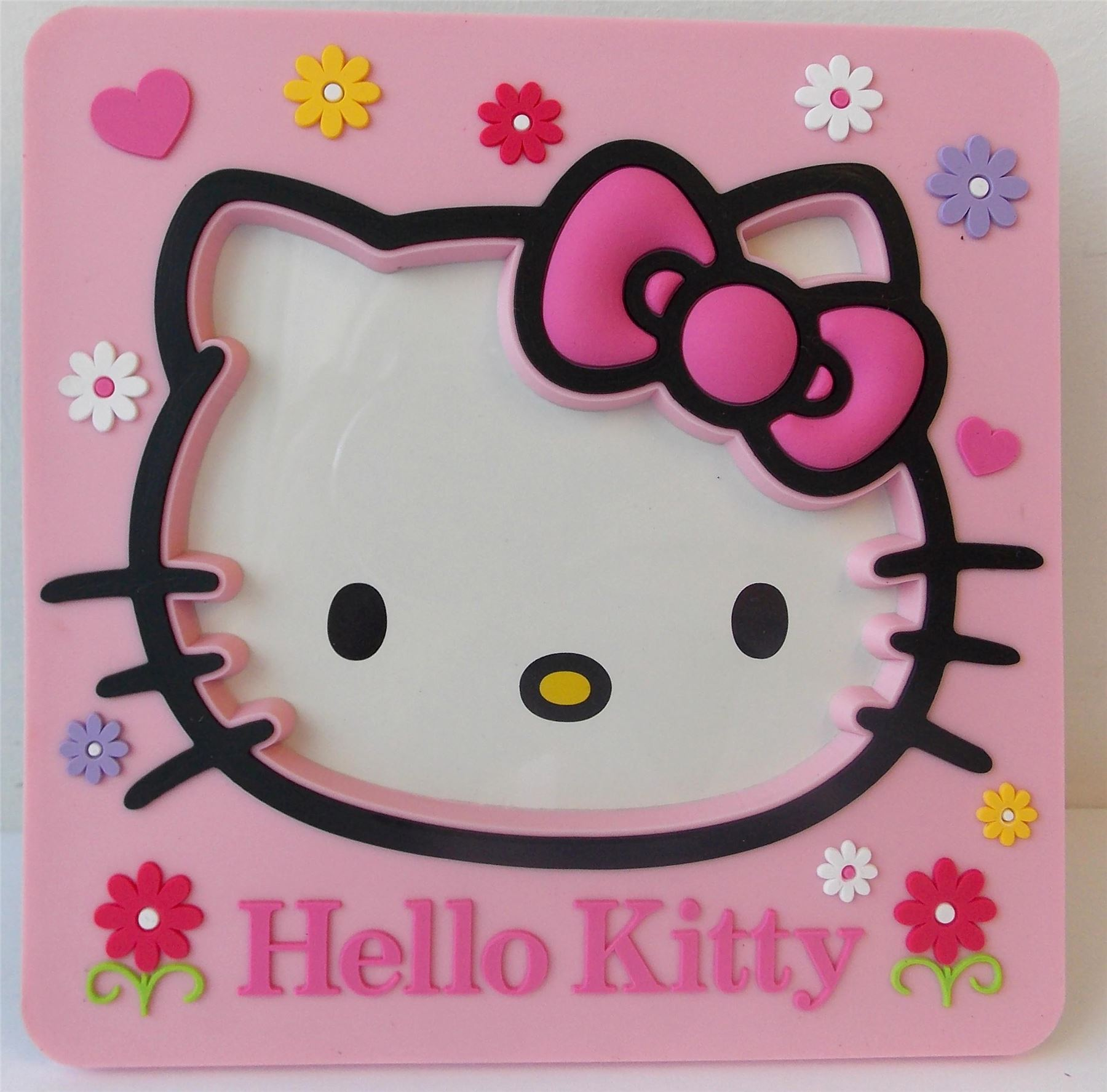 hello kitty gardinen hello kitty garden iphone wallpaper. Black Bedroom Furniture Sets. Home Design Ideas