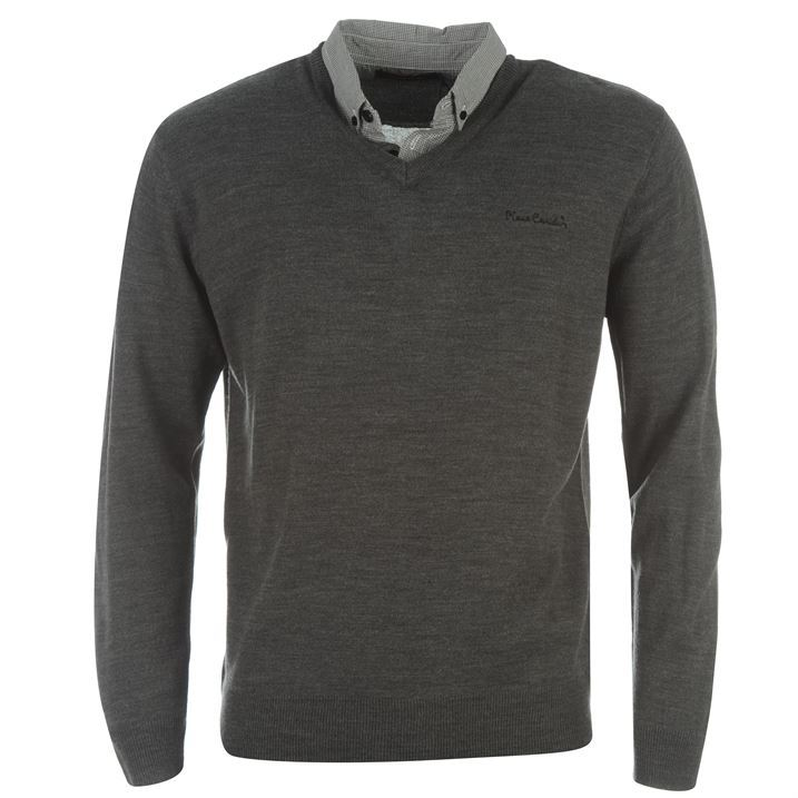 Stay comfortable with lightweight jumpers crafting a fine look. Layer up on your off-duty days for smart casual attire with smart designs in men's jumpers ranging from .