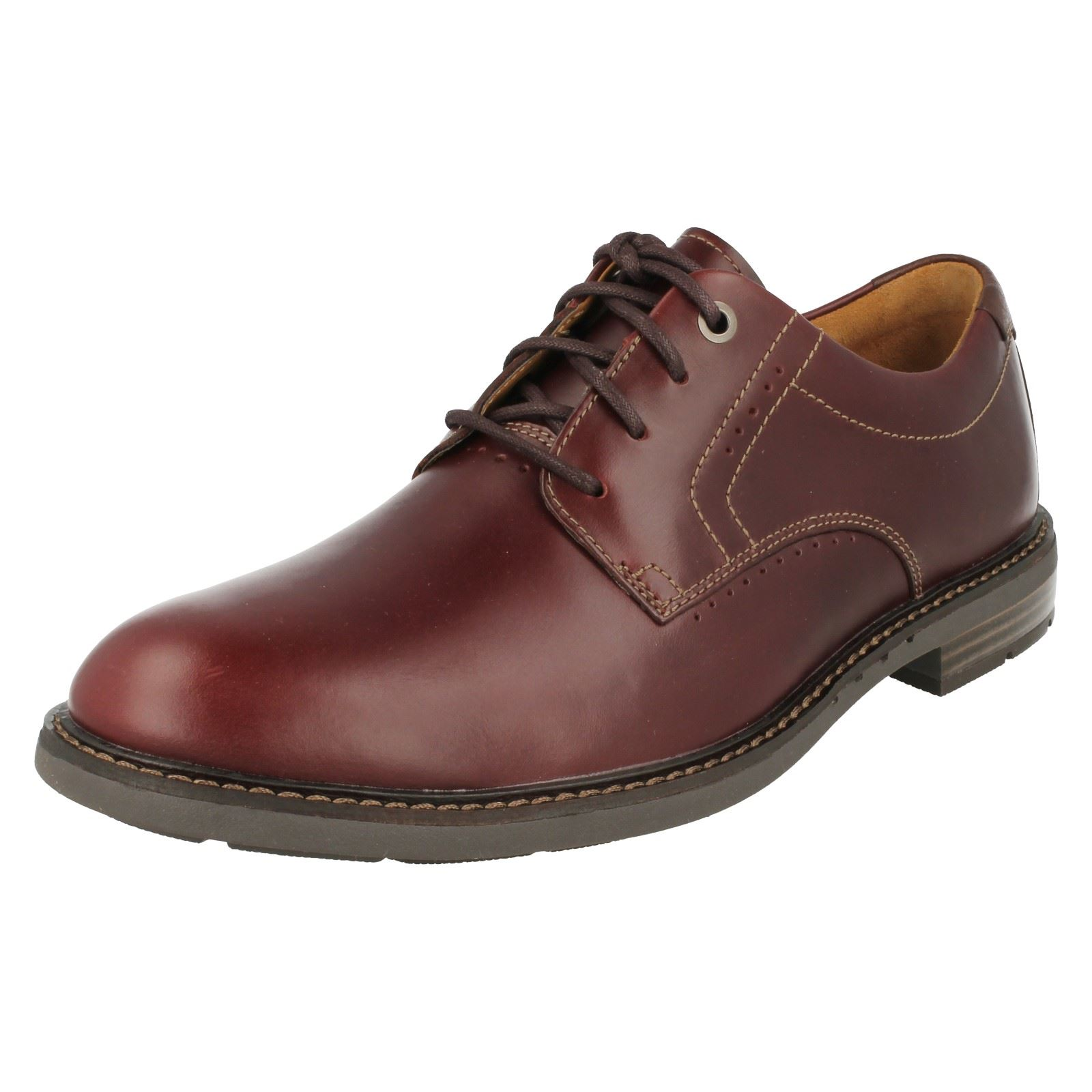 Mens Clarks Formal Lace Up Shoes. Unelott Plain
