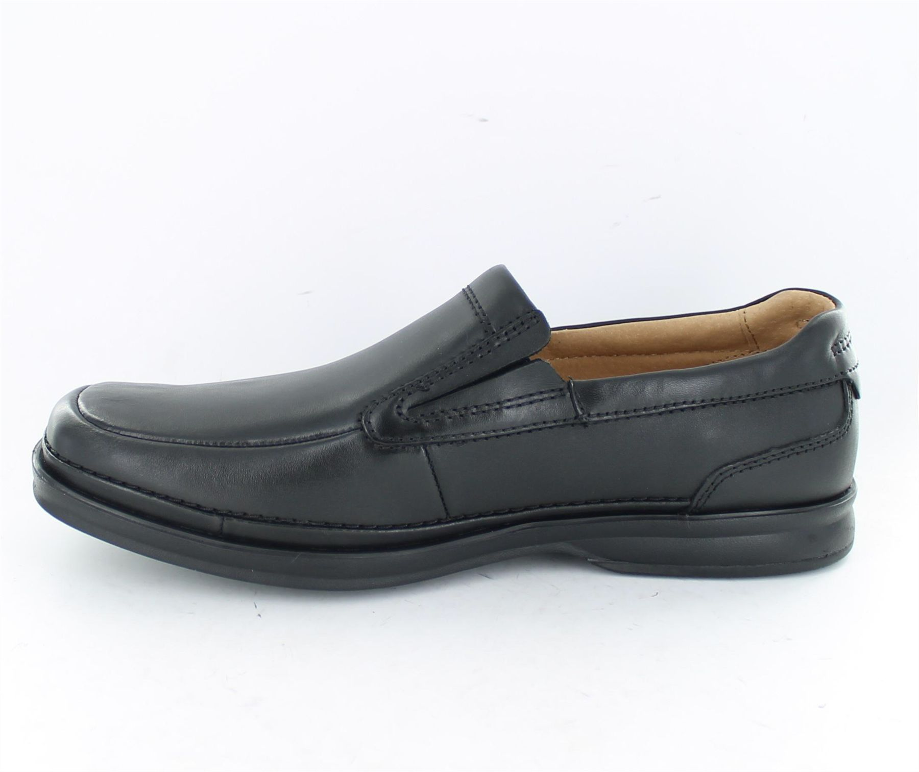 Discover Clarks Shoes and Boots online. We have many different styles for men, women and kids in a variety of size and width fittings with free delivery.