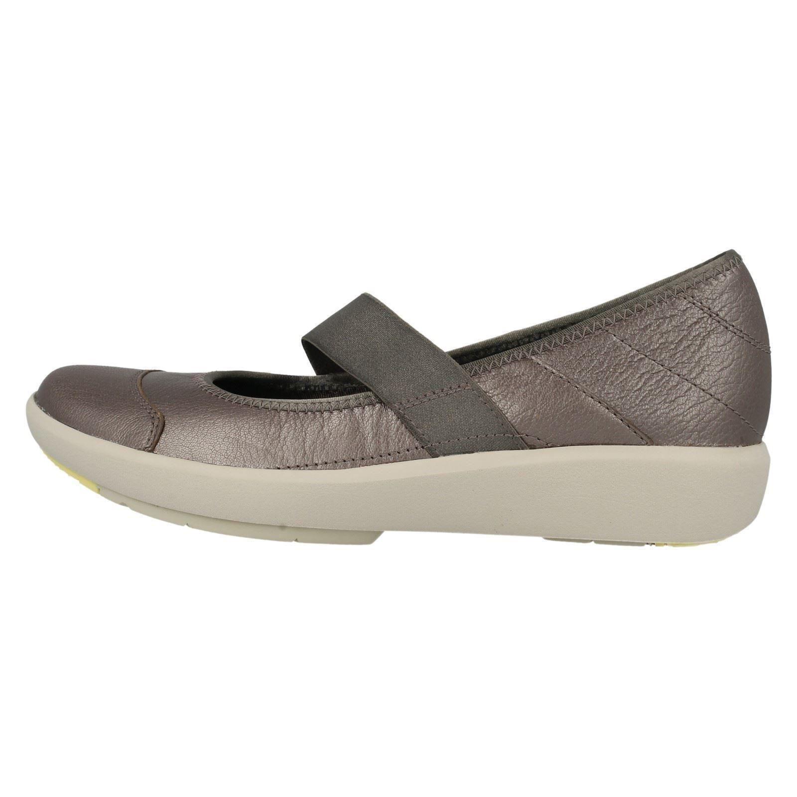 Ladies Wave Gleam Shoes
