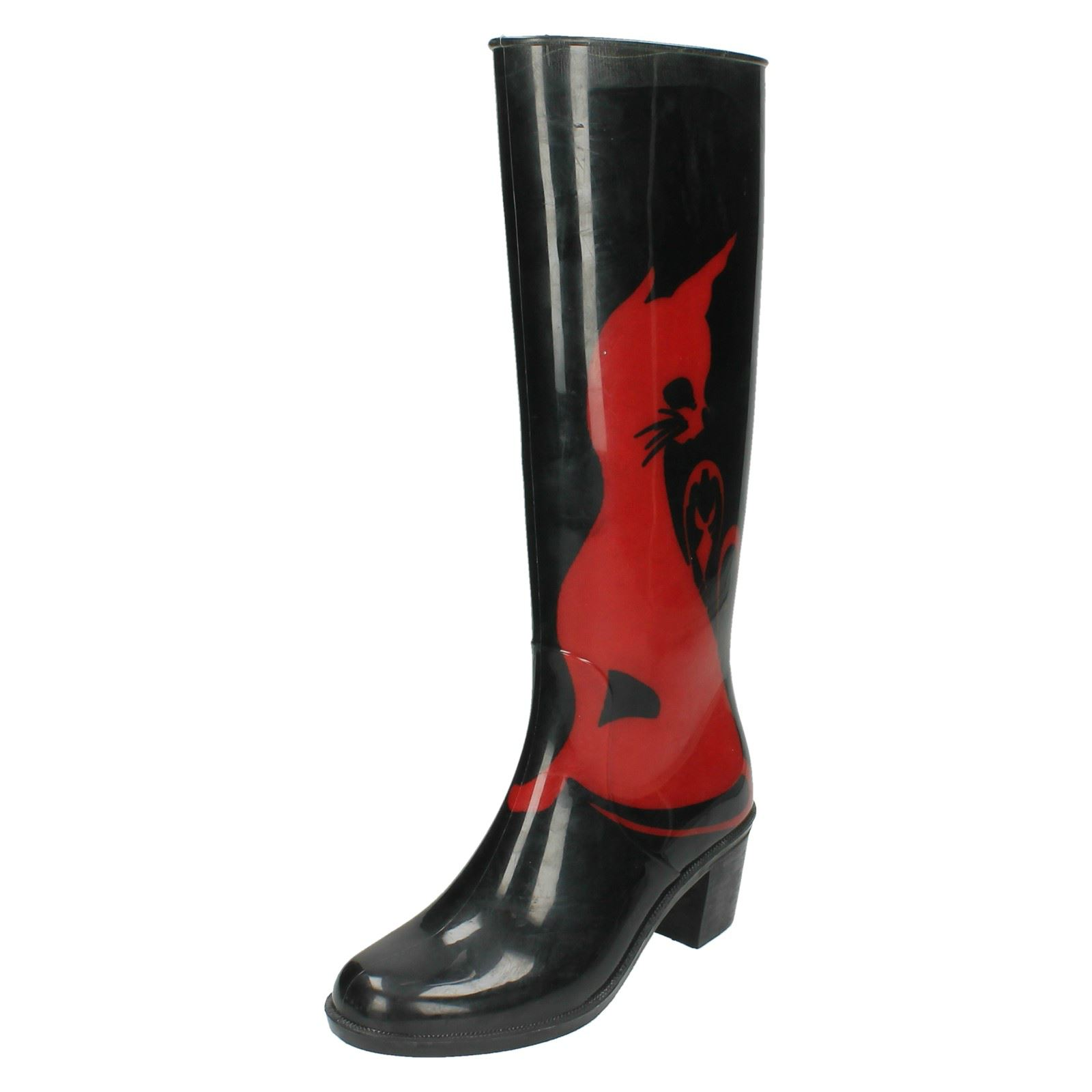 ladies spot on heeled wellington boot with cat design. Black Bedroom Furniture Sets. Home Design Ideas