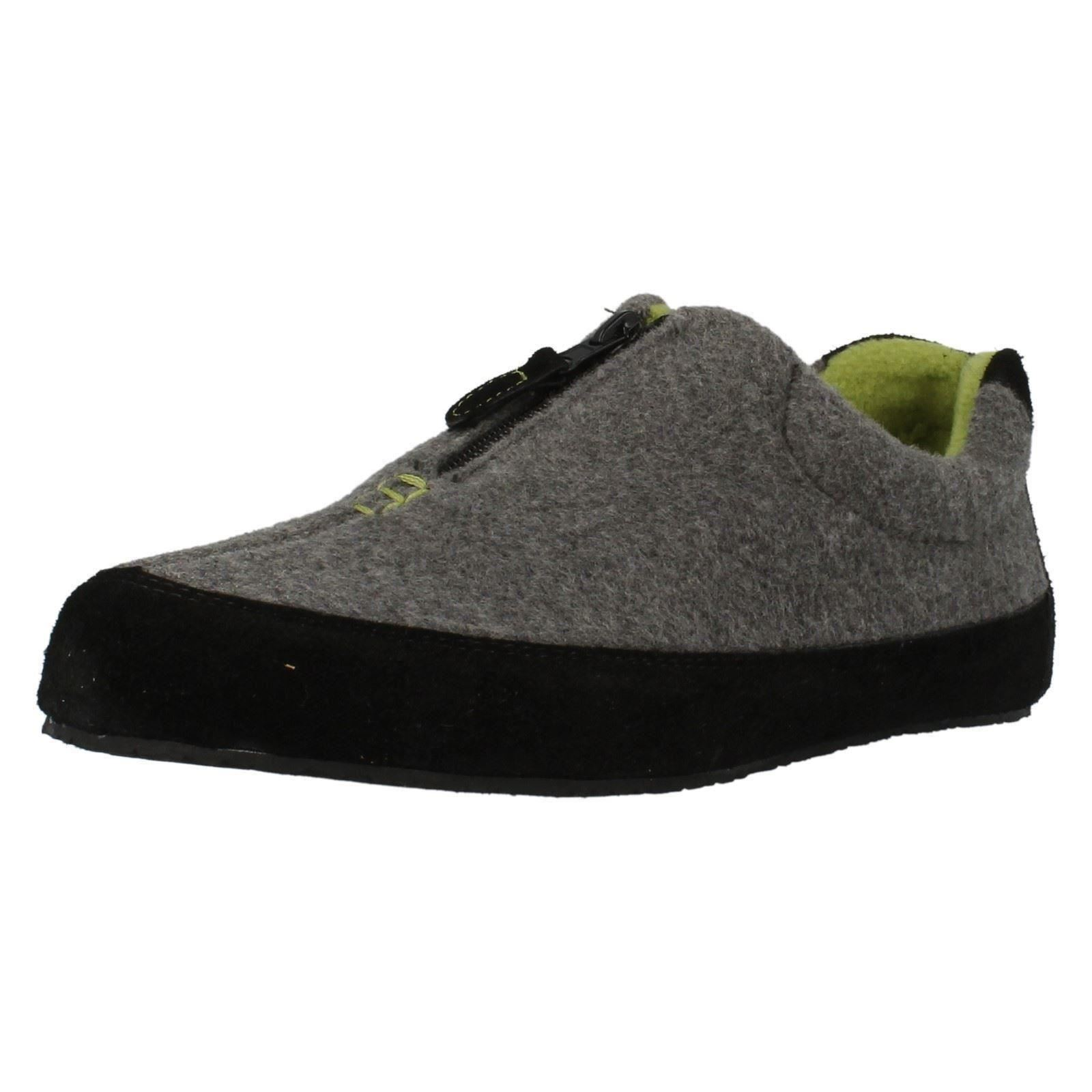 Varieties of mens zip up slippers are offered on NewChic with good service and fast delivery, buy cheap mens zip up slippers now!