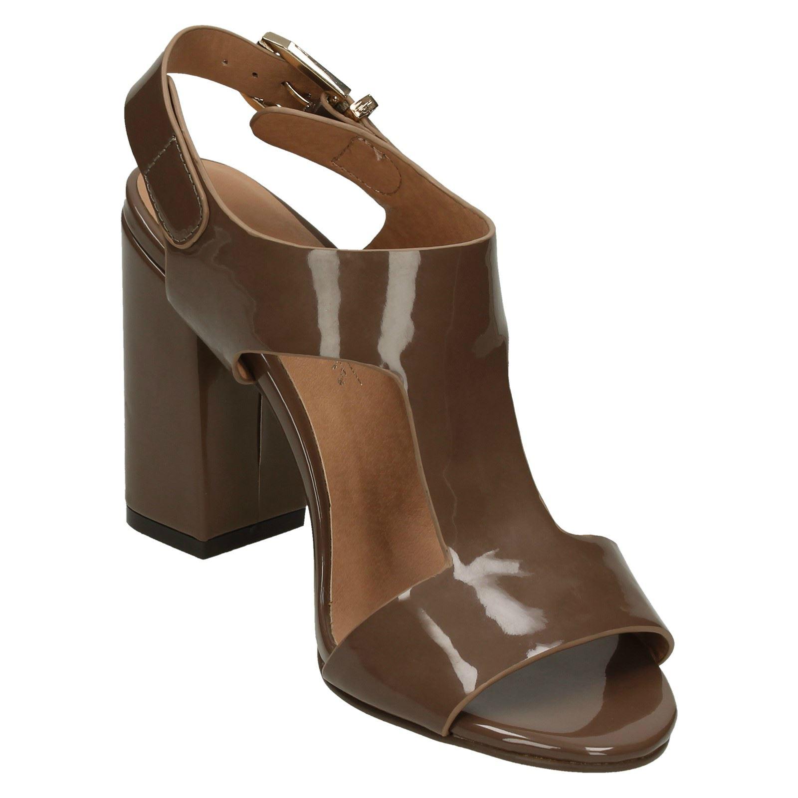 Style 645 Damenschuhe Anne Michelle Lsadies Chunky Heel Sandal