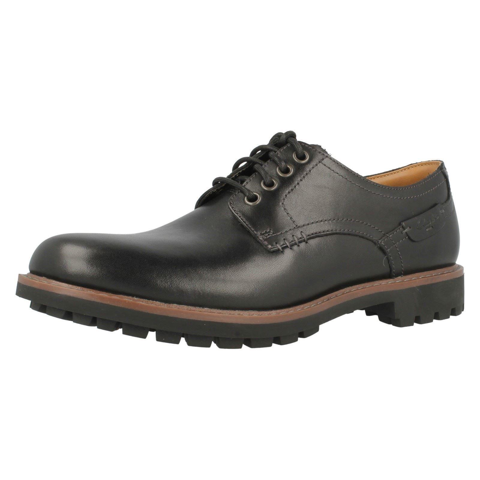 Clarks Gibson Shoe