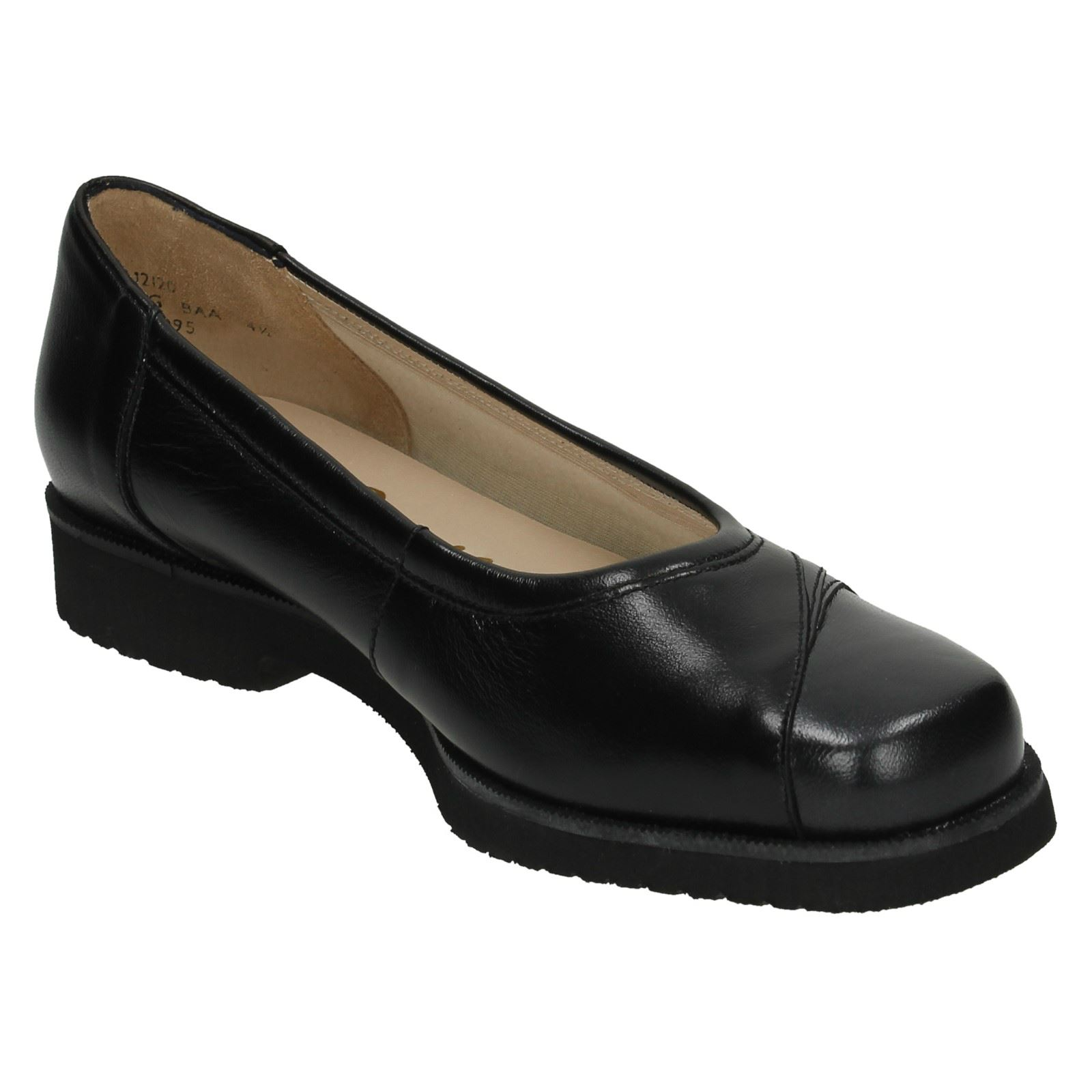 nil simile narrow fitting flat loafer shoes