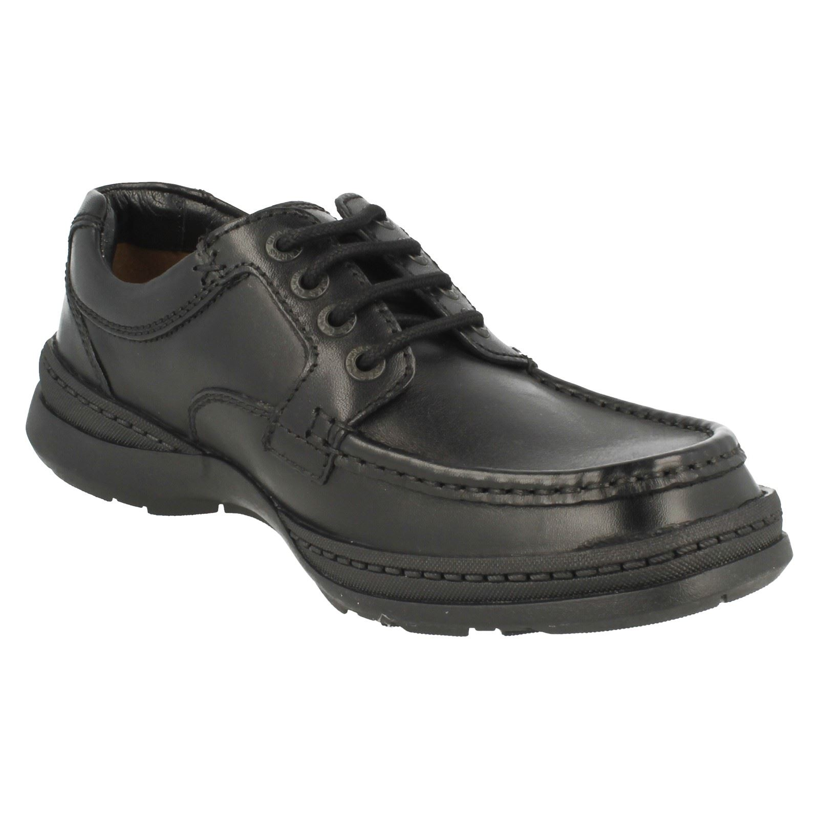 These hardwearing everyday men's shoes are designed in rich walnut leather and fasten with a classic lace-up. They feature Cushion Cell technology for added comfort, creating an .