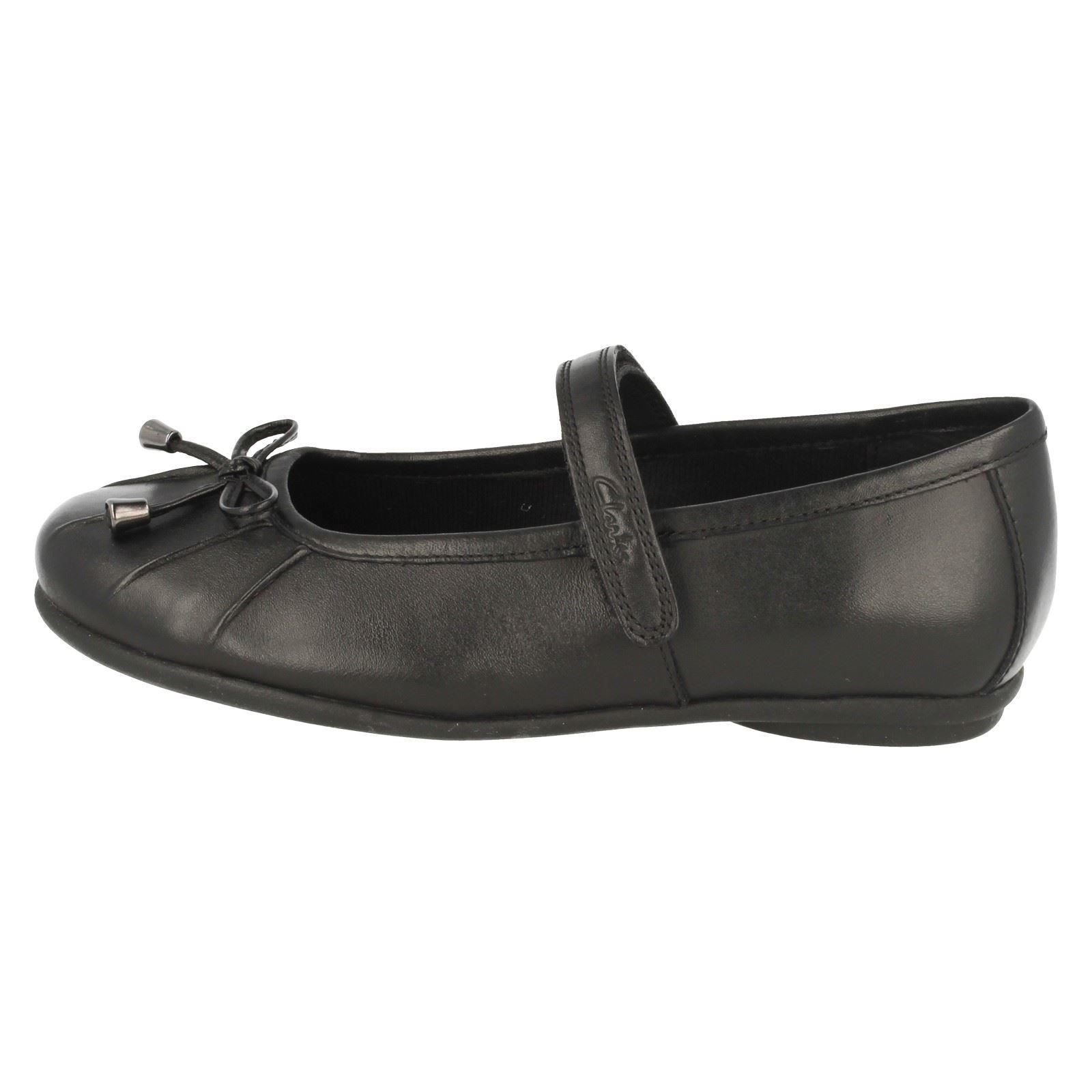 clarks school shoes with bow design abby