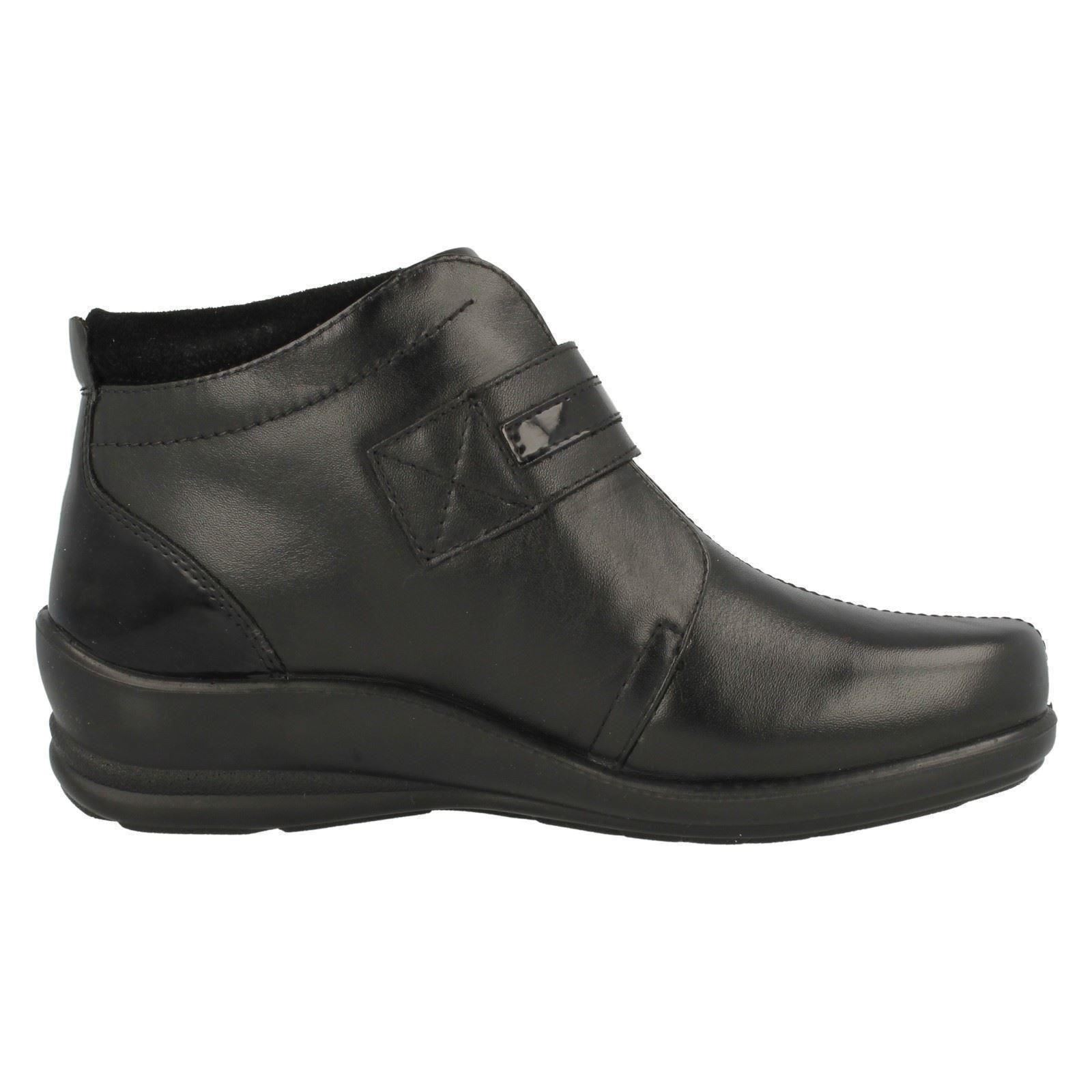 padders wide fitting leather ankle boots shirley