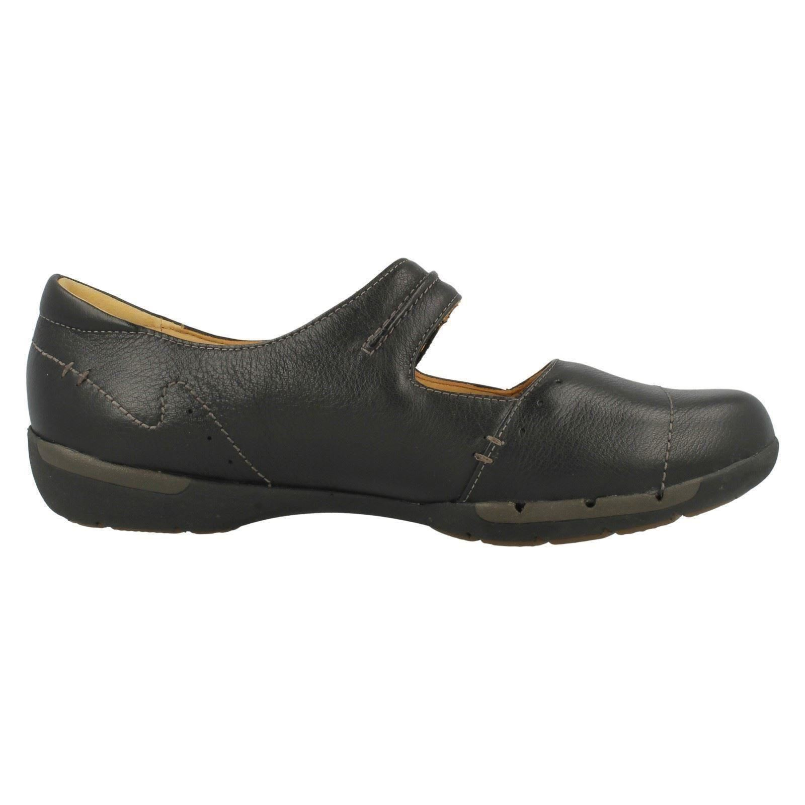 Ladies Clarks Unstructured Flat Shoes Un Helma | EBay