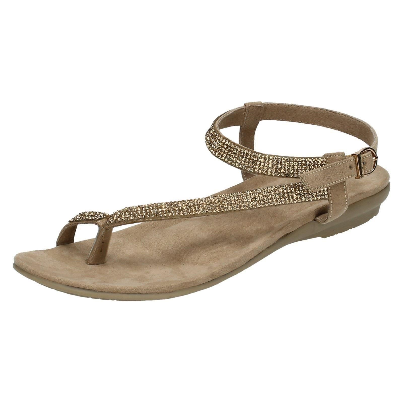 Brilliant The Adorable And Chic Koolaburra Riva Toe Loop Leather Sandal Will