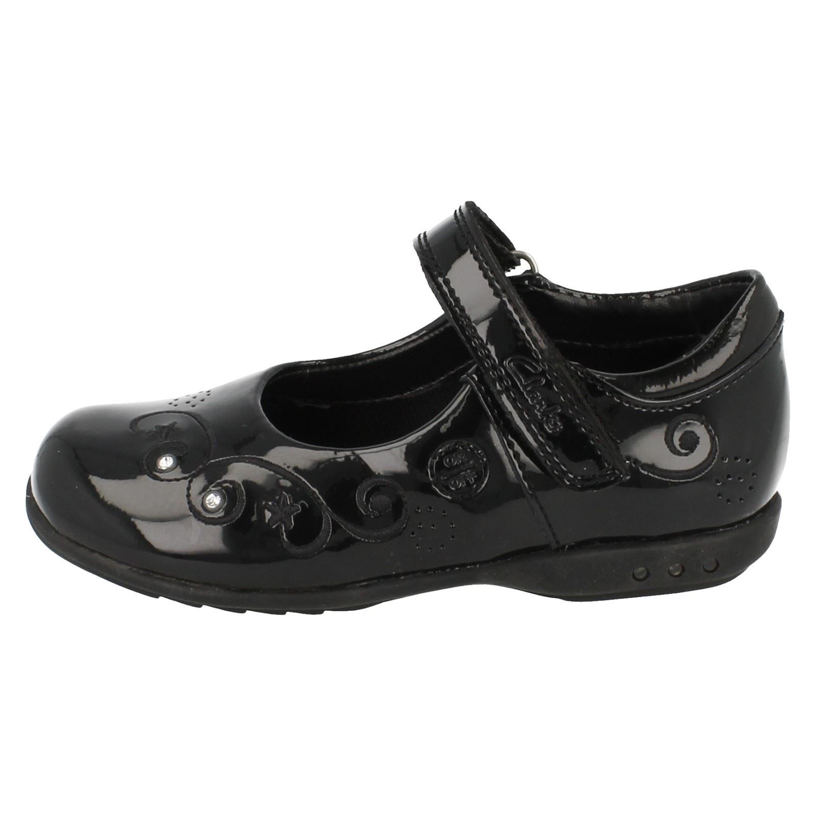 Girls Flashing Lights School Shoes | eBay