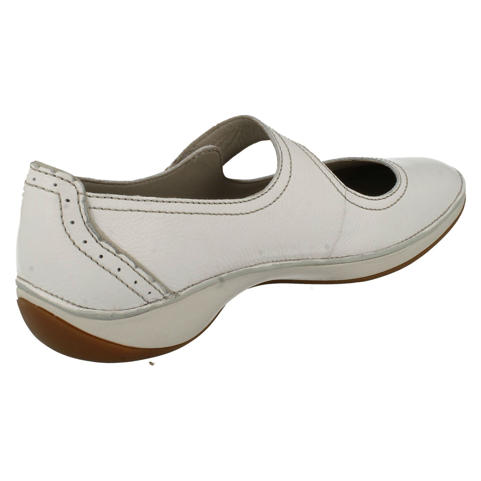 Clarks Cream Ladies Shoe