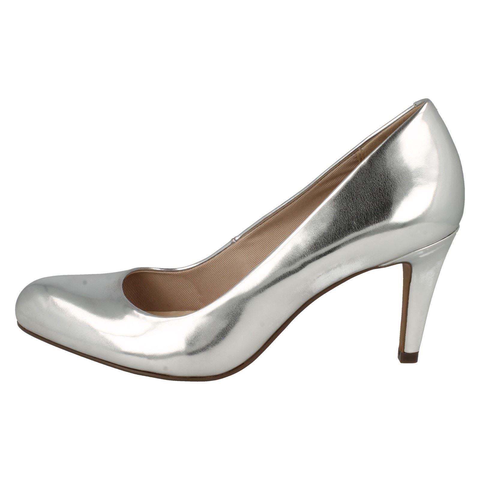 Ladies Clarks Court Shoes 039 Carlita Cove 039