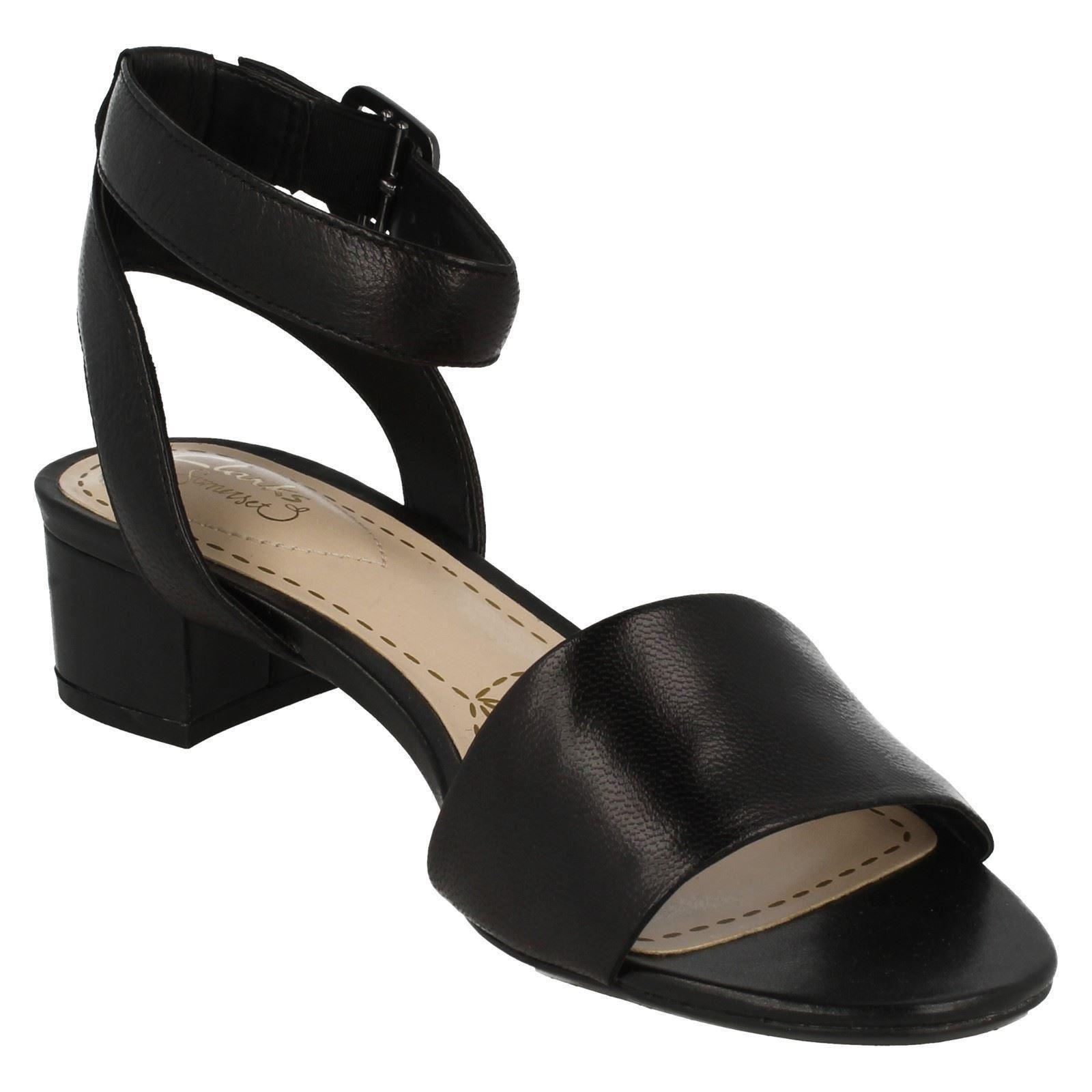 4bea7185770647 Ladies-Clarks-Sandals-Sharna-Balcony thumbnail 17