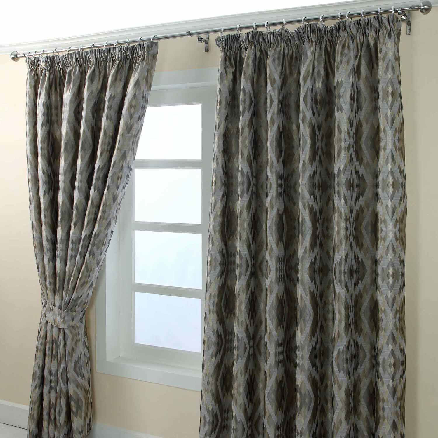 Pencil Pleat Fully Lined Ready Made Jacquard Curtain