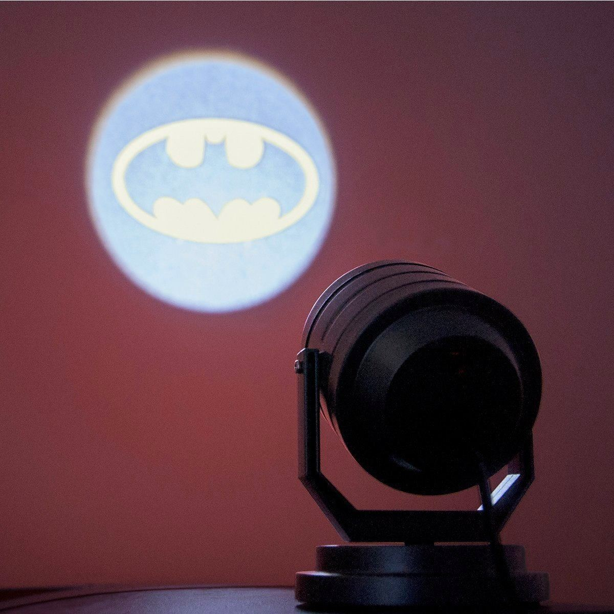 Batman bat signal projector plug in yellow night light lamp dc comics ebay - Batman projector night light ...