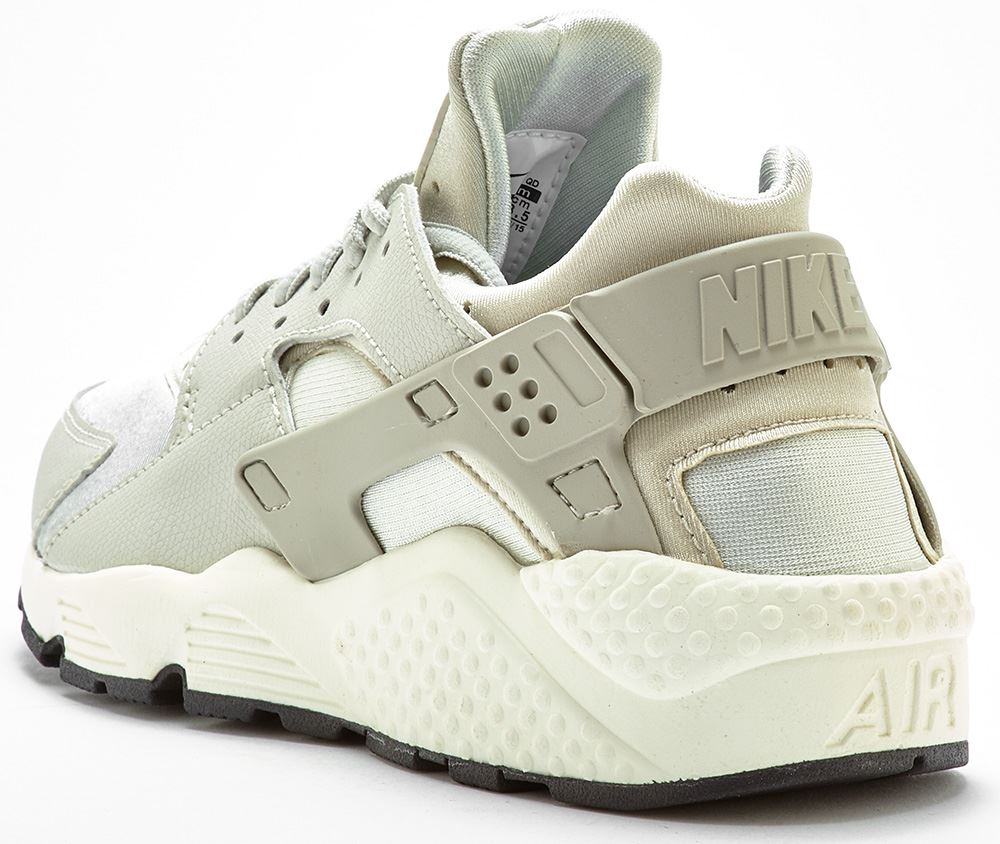 Nike Air Huarache Womens Trainers