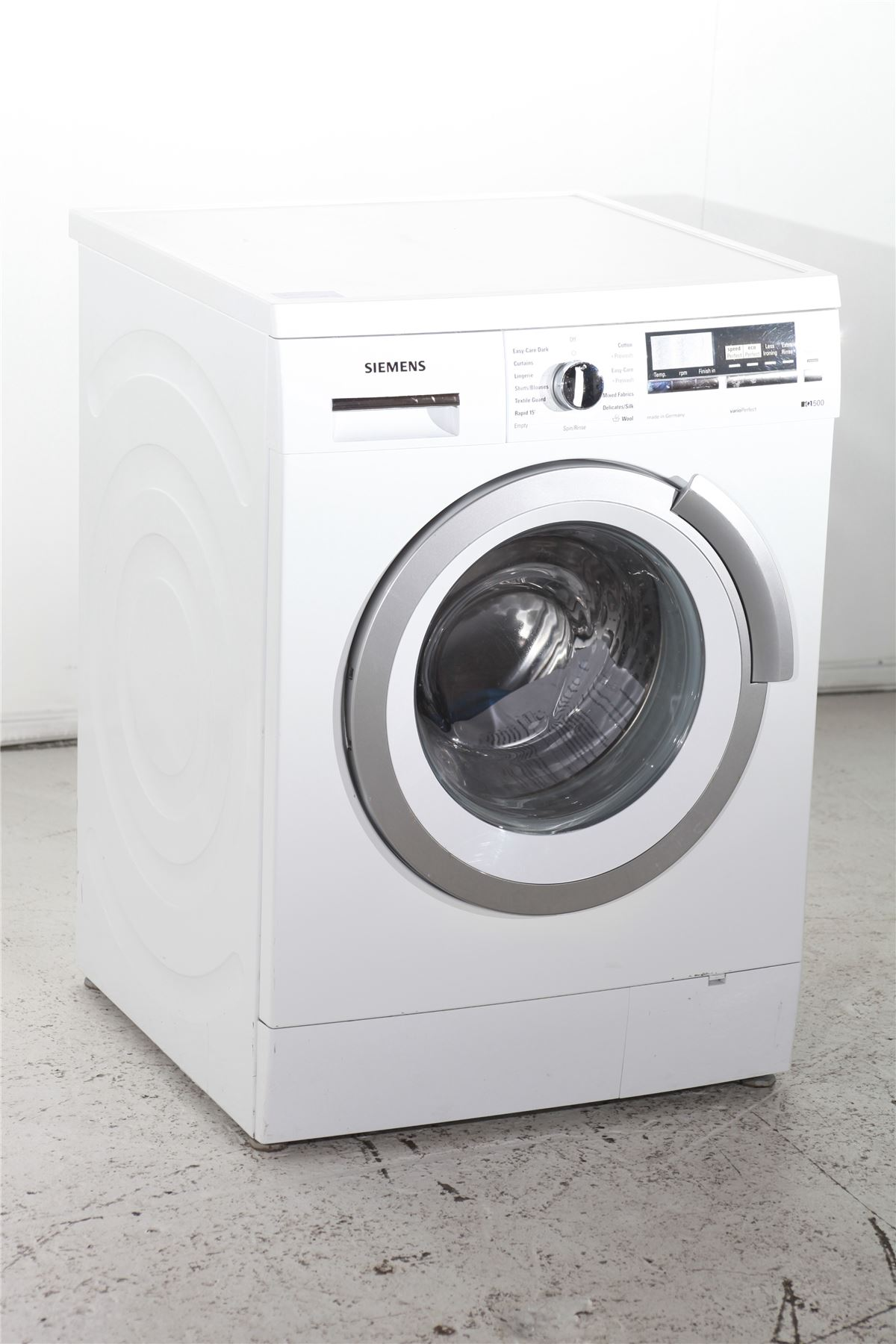 preloved siemens iq500 vario perfect washing machine wm14s496gb white for sale in edmonton. Black Bedroom Furniture Sets. Home Design Ideas