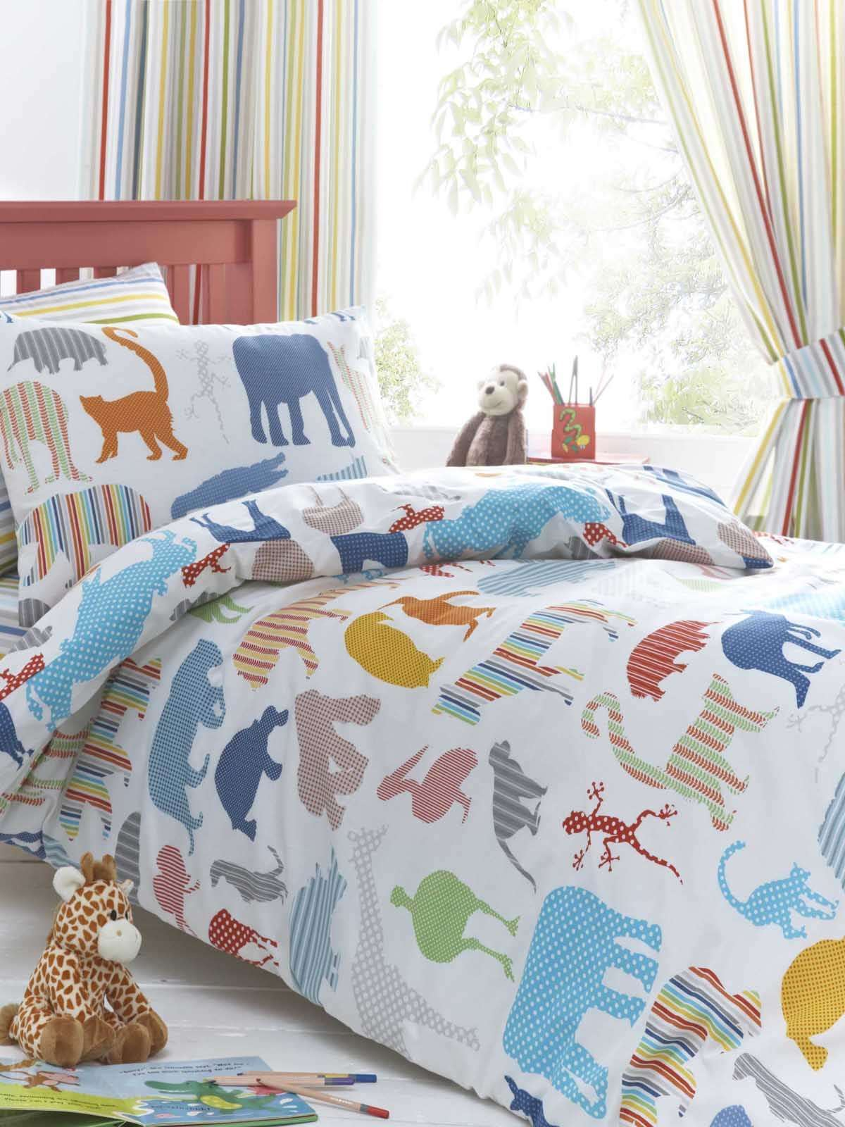 Childrens Double Bedding And Curtains