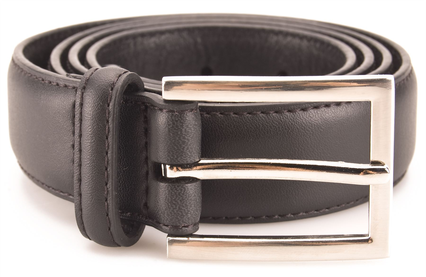 Mens Belts Find the finishing touch to your smart and casual looks with our new season collection of men's belts. From timeless tan to classic black, suede to leather and braided to woven, we've got your on and off-duty style sorted.